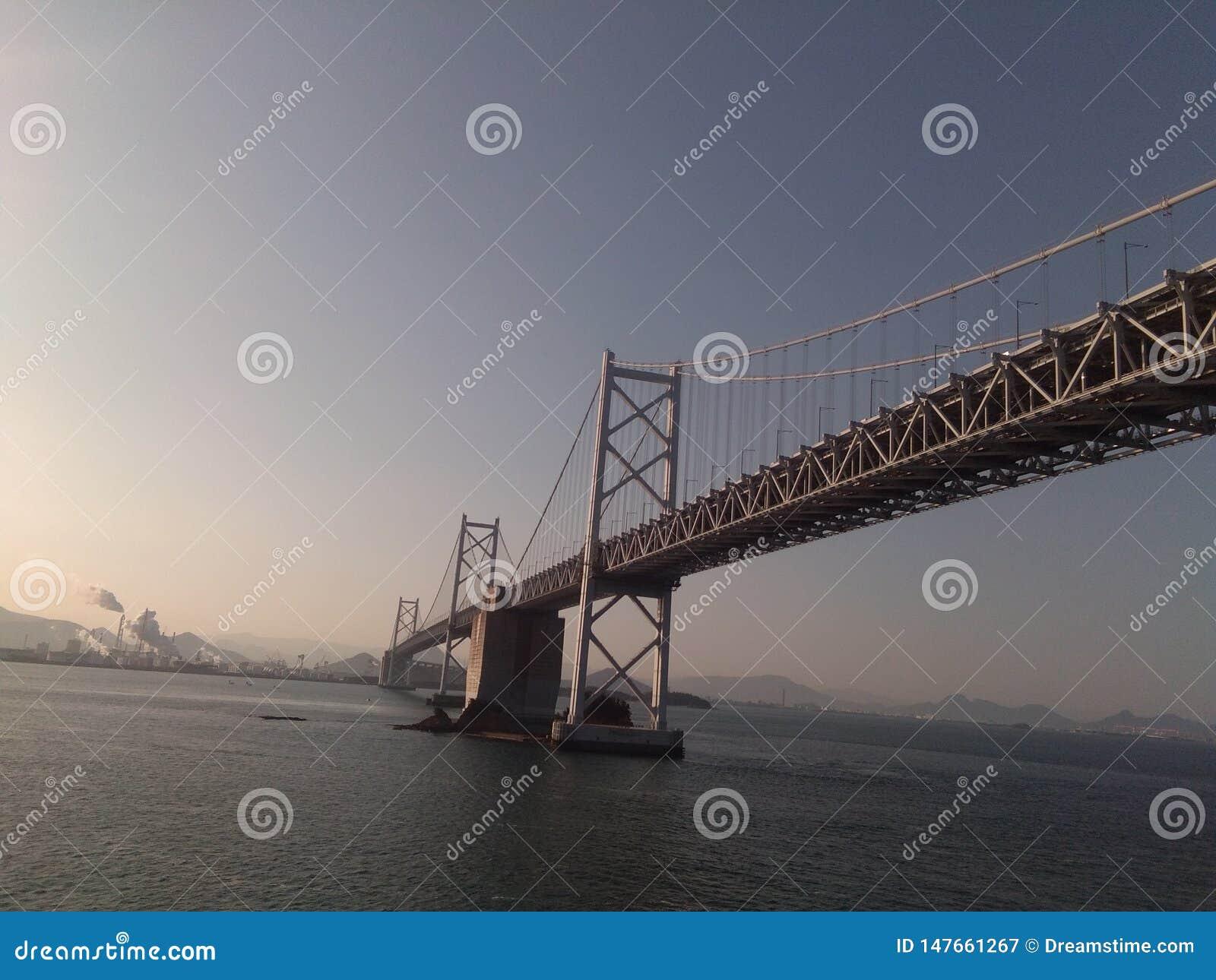 Il ponte ha fatto nel Giappone