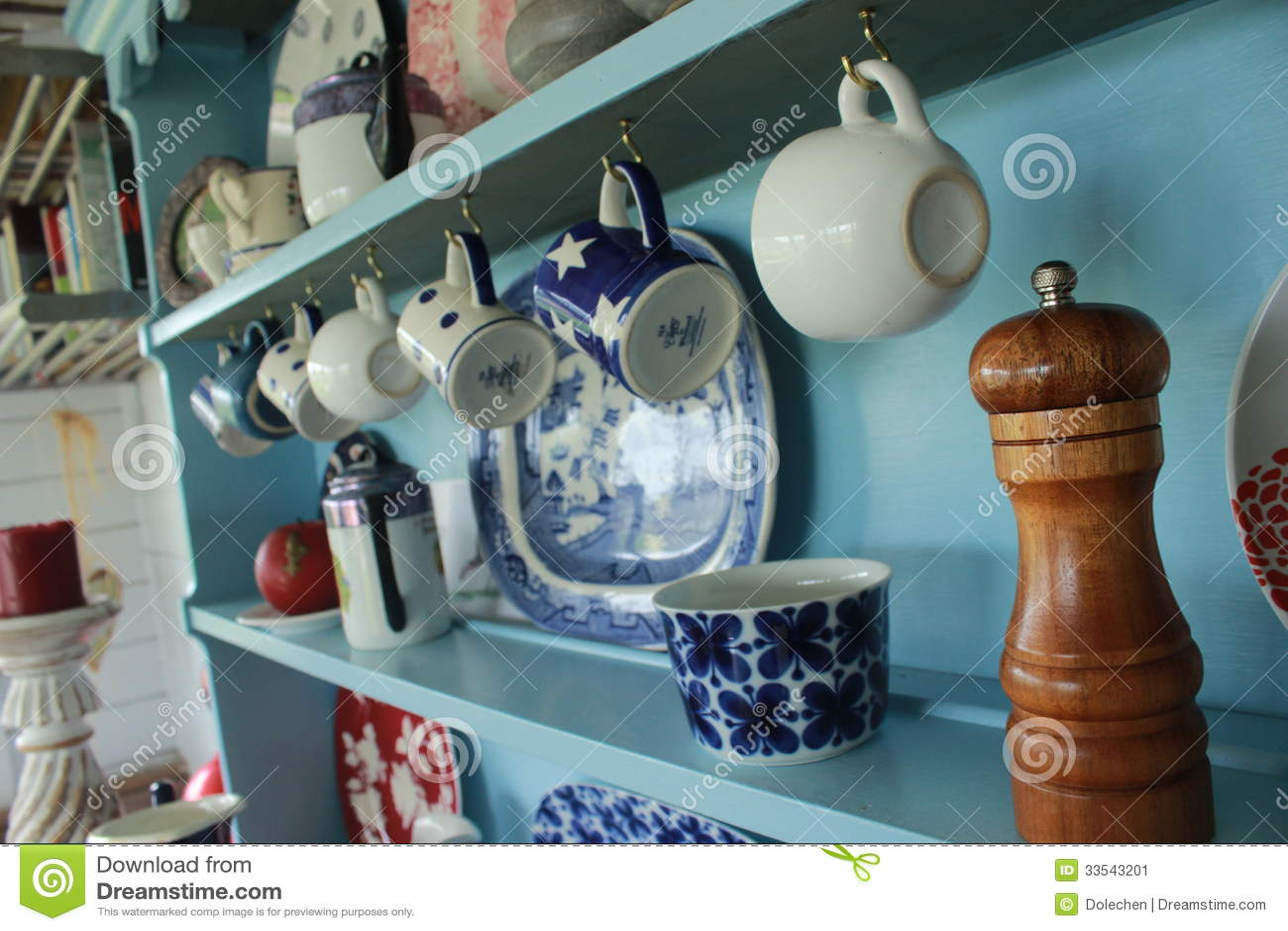 Il primo piano della cucina dettaglia le tazze delle tazze immagine stock immagine di interno - Piano della cucina ...
