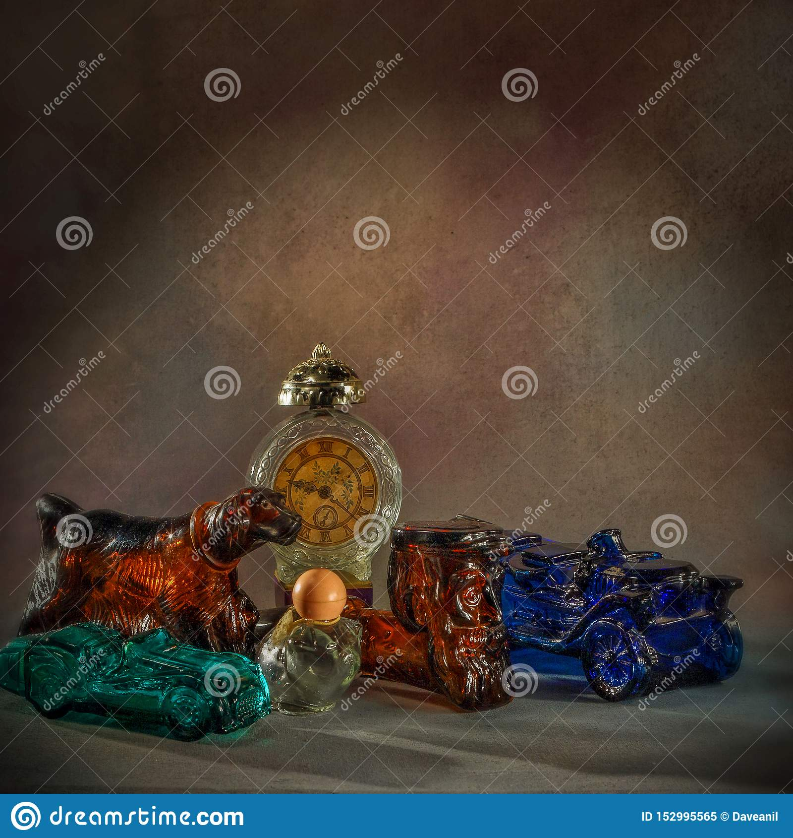 Il profumo d annata imbottiglia lo bottiglia-studio lavoro-figurale di vetro shapesClasic differente ha sparato kalyan vicino all