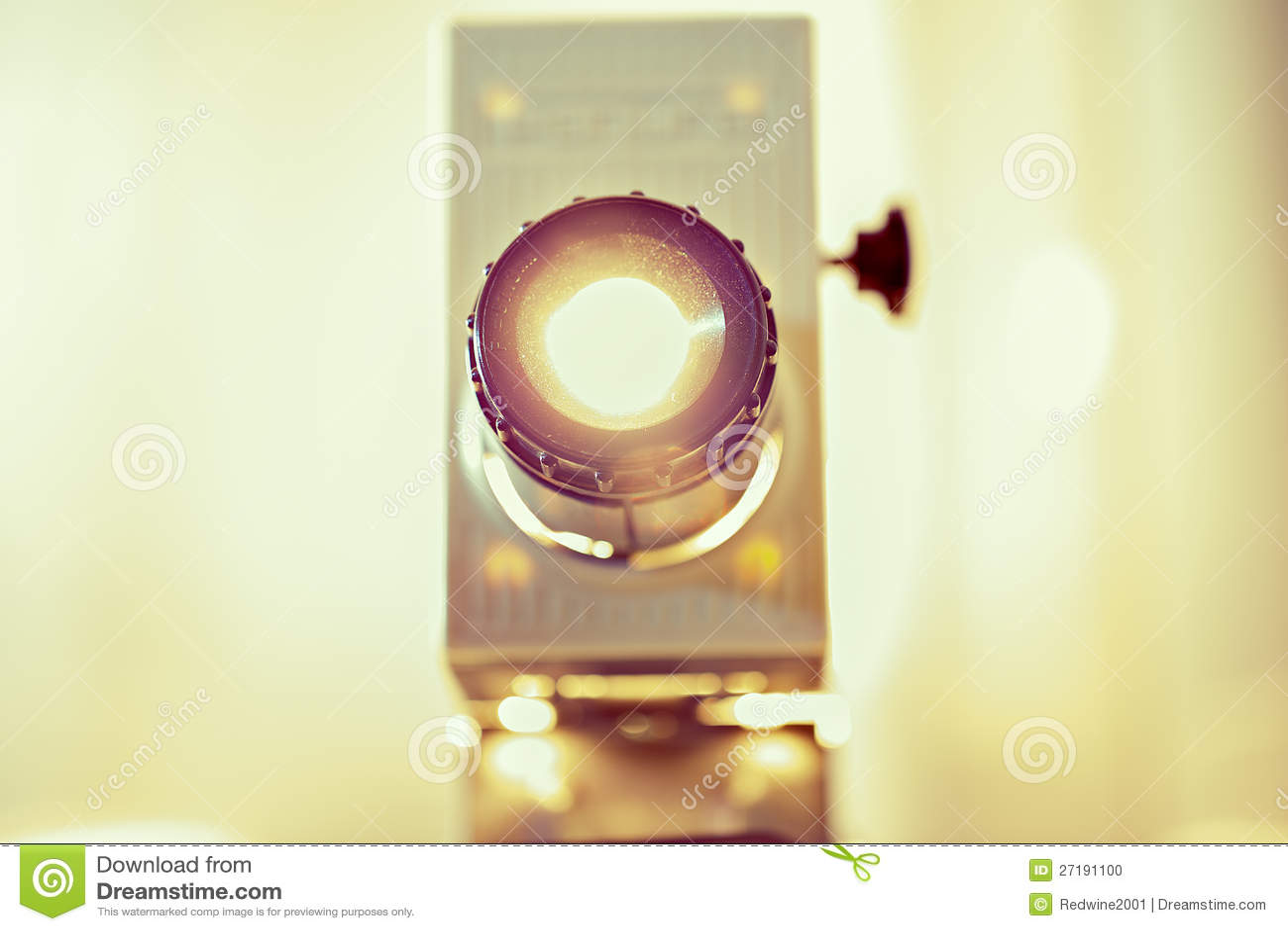 Il projetor di funzionamento è alleggerito in su dalla macchina fotografica