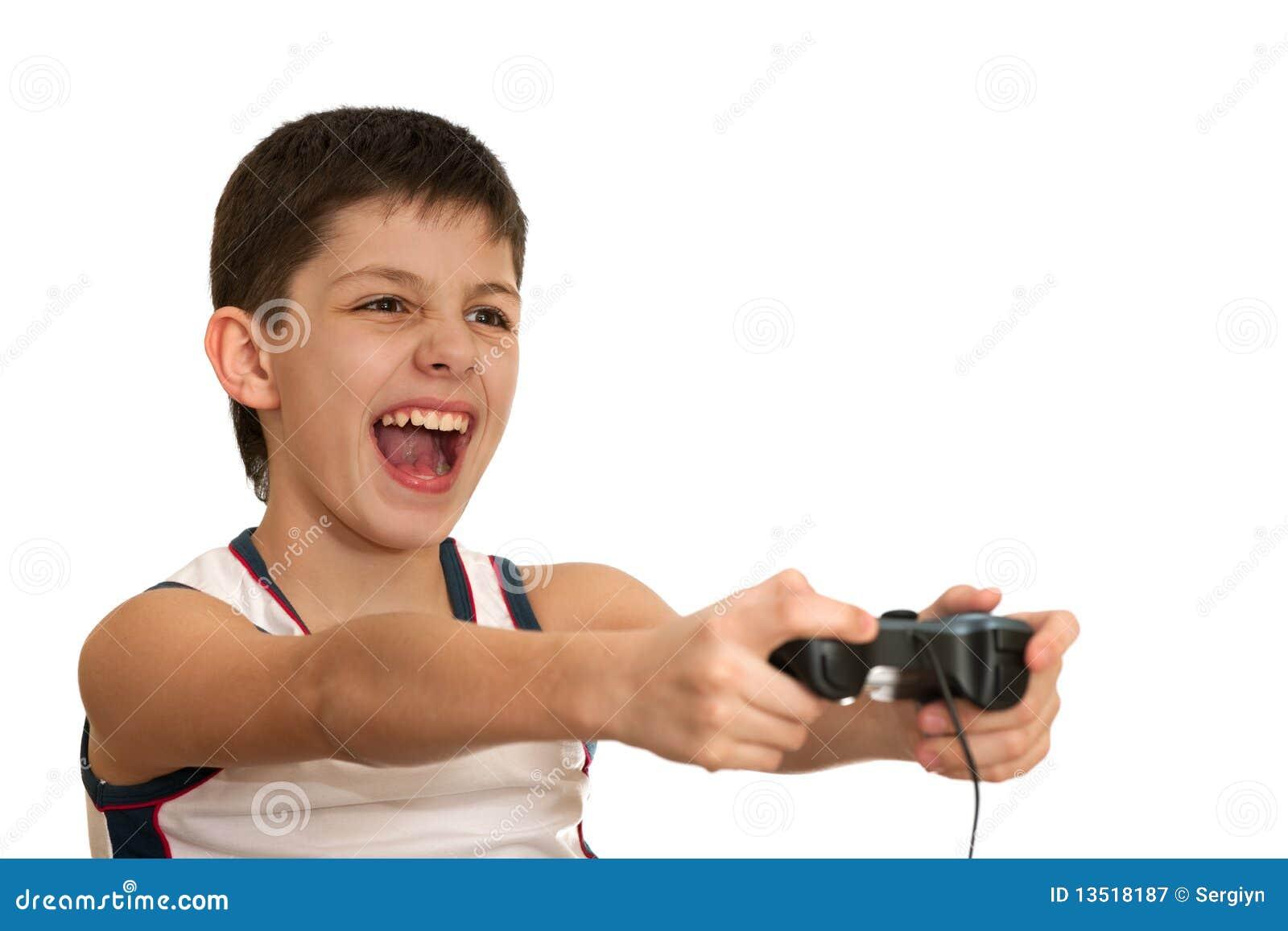 Il ragazzo di Ardor sta giocando un gioco con la barra di comando