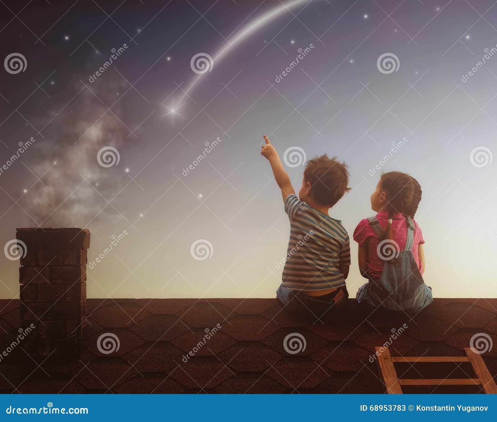 Il ragazzo e la ragazza fanno un desiderio