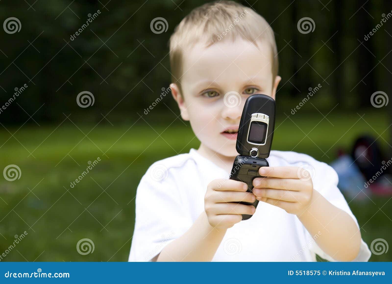 Il ragazzo ed il telefono