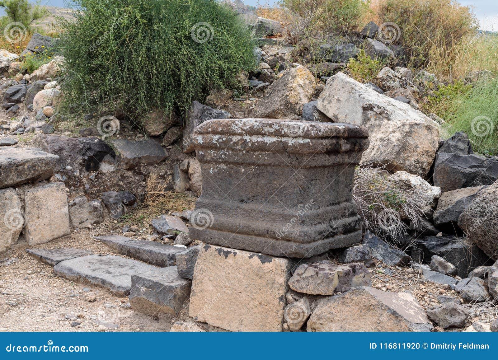 Il resti della colonna nelle rovine del Greco - città romana dello III secolo BC - l ANNUNCIO del VIII secolo Hippus - Susita sul