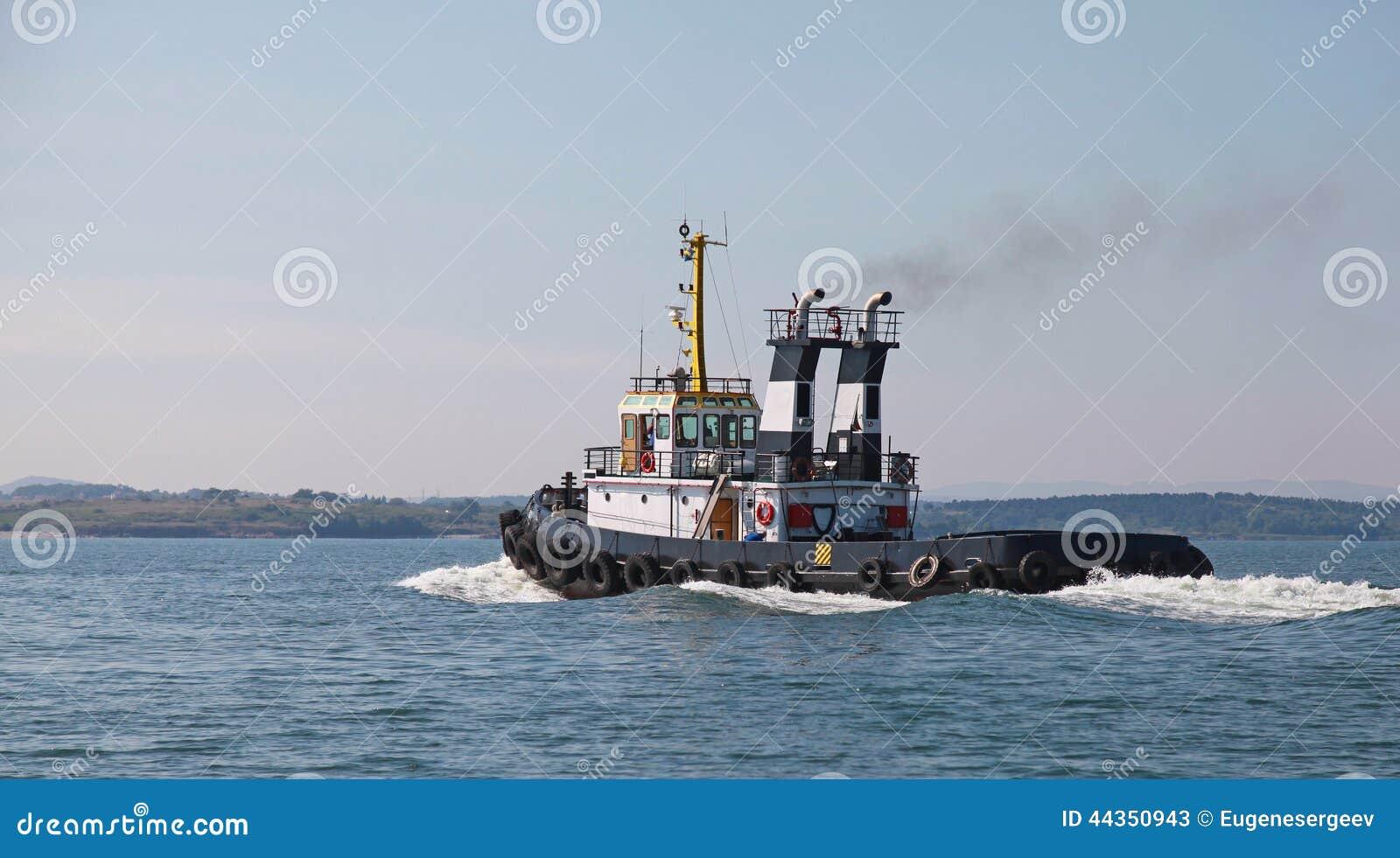 Il rimorchiatore nero è in corso, Mar Nero, Bulgaria