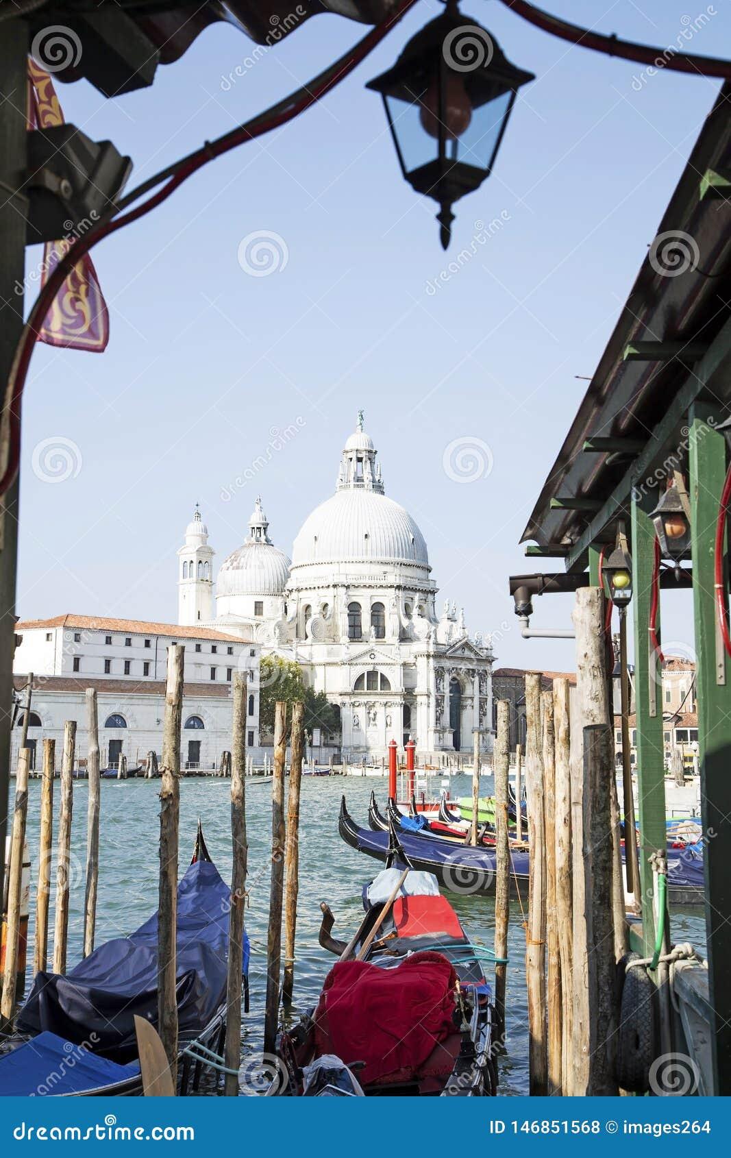 Il saluto di della della Santa Maria della basilica a Venezia