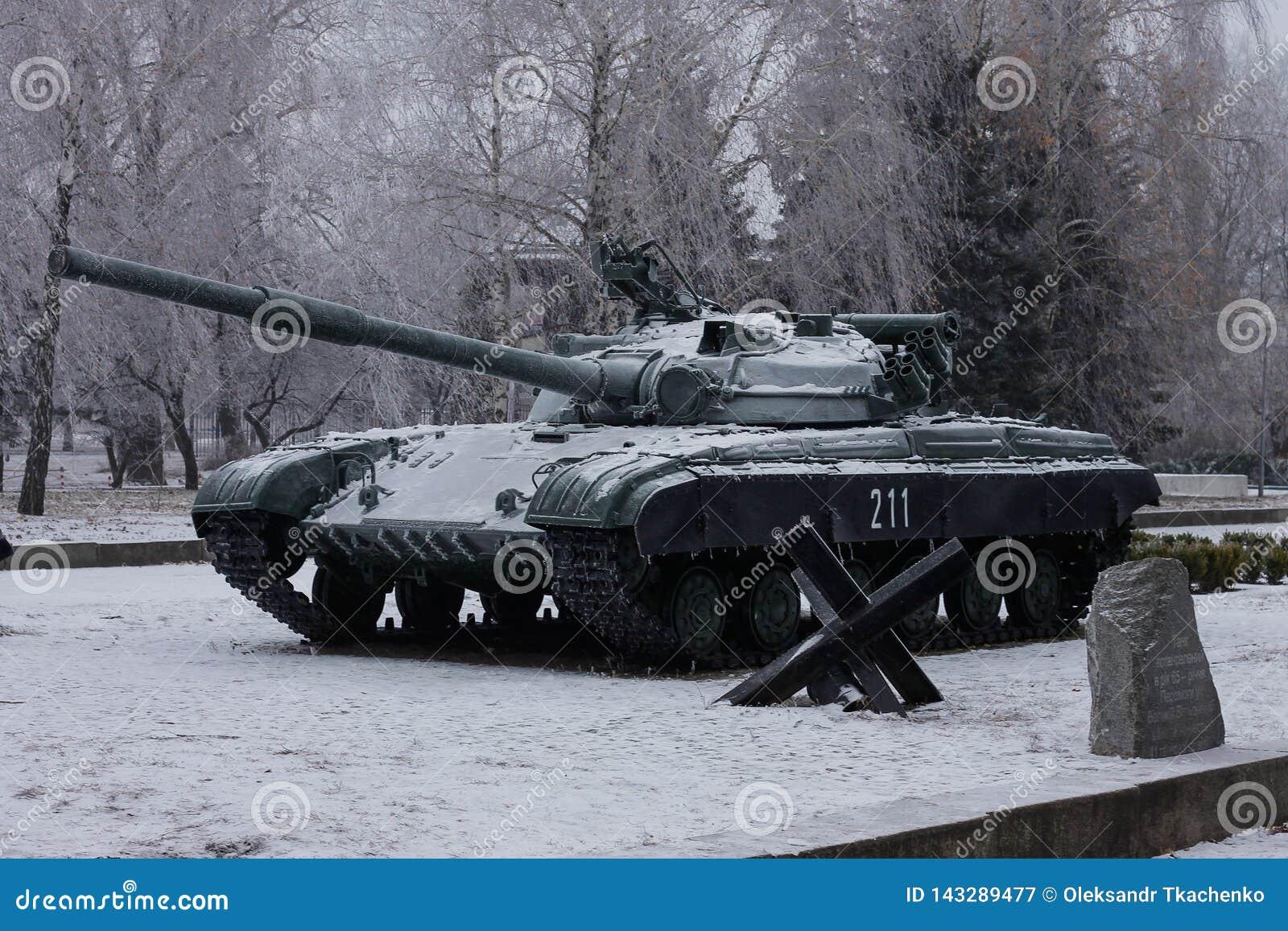 Il T-64 è un carroarmato di seconda generazione sovietico