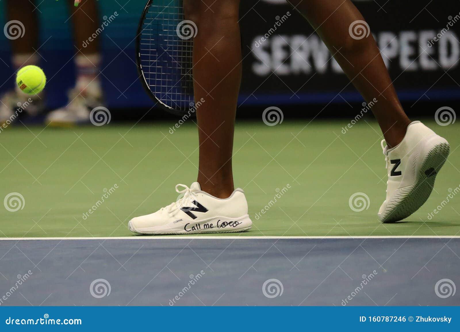 Il Tennista Americano Coco Gauff Indossa Le Scarpe Da Tennis New ...