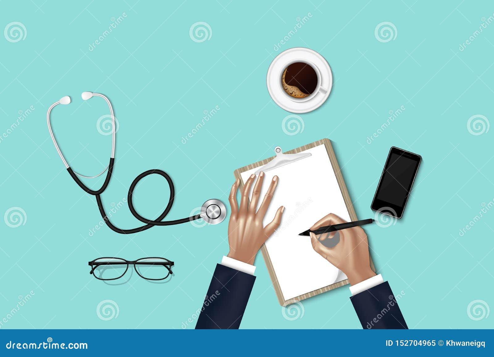 Il trattamento di sanità ed il concetto di occupazione della medicina, mani di medico sta prendendo nota mentre esame dati fisici