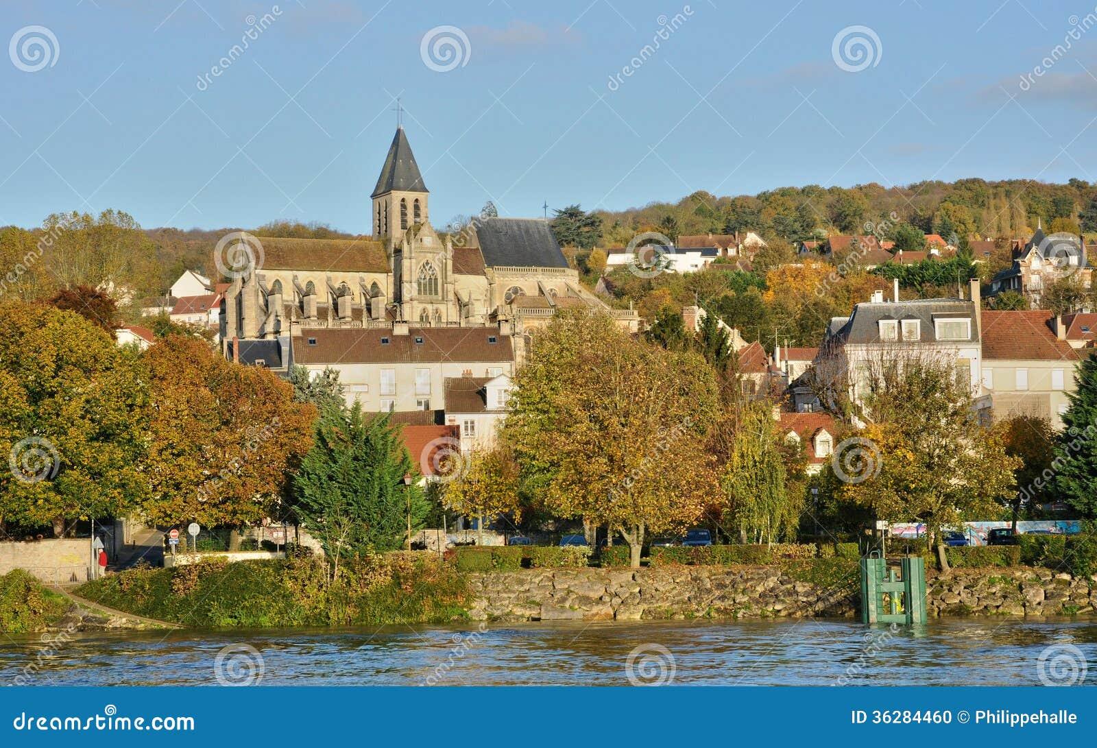 Ile de France, ville de sur la Seine de Triel