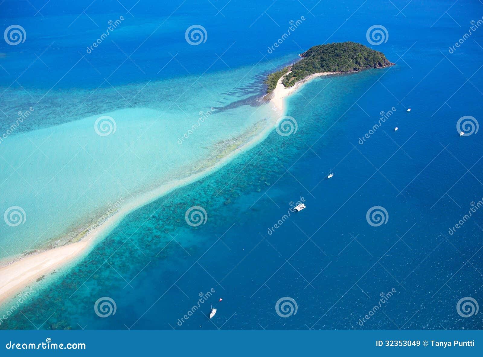Ilha Austrália tropical dos domingos de Pentecostes