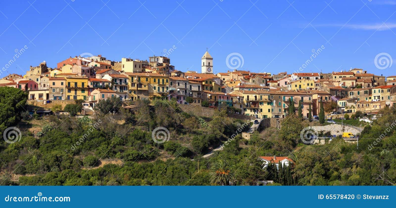 Ilha da Ilha de Elba, panorama da vila de Capoliveri Toscânia Italy