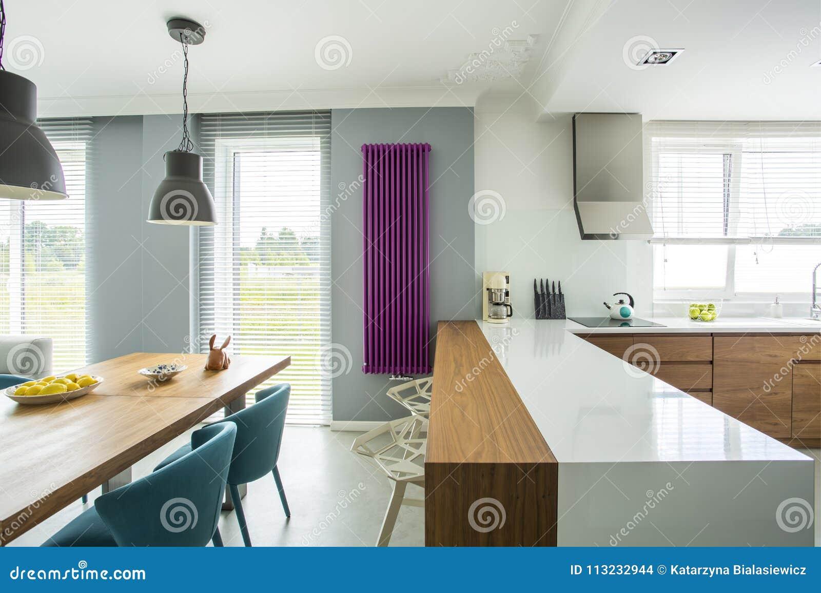 Ilha De Cozinha No Interior Espa Oso Foto De Stock Imagem De