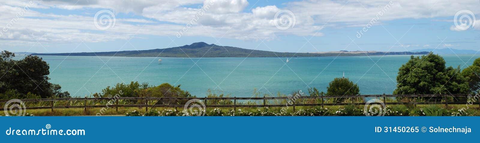 Ilha de Rangitoto e o golfo de Hauraki