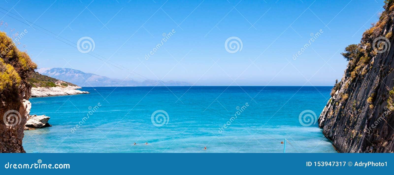 Ilha de Zakynthos, Gr?cia Uma p?rola do mediterr?neo com as praias e as costas apropriadas por feriados inesquec?veis do mar