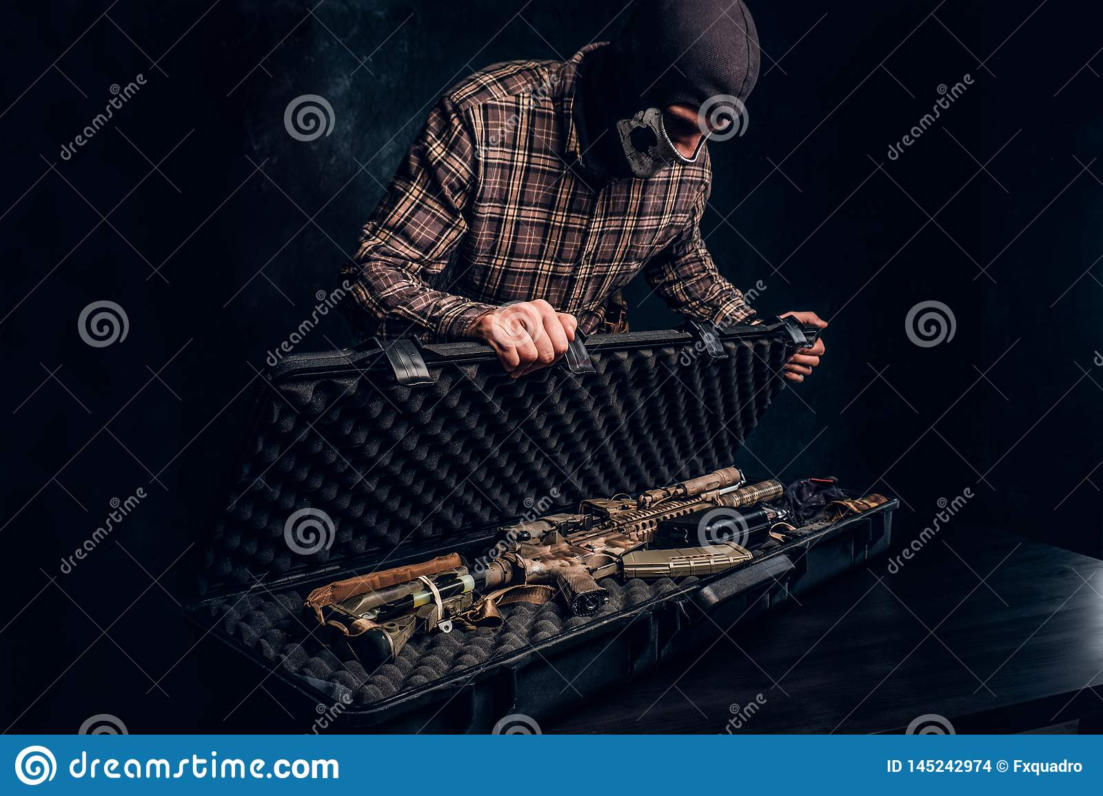 Illegal Sale Of Weapons, Black Market, The Criminal Opens
