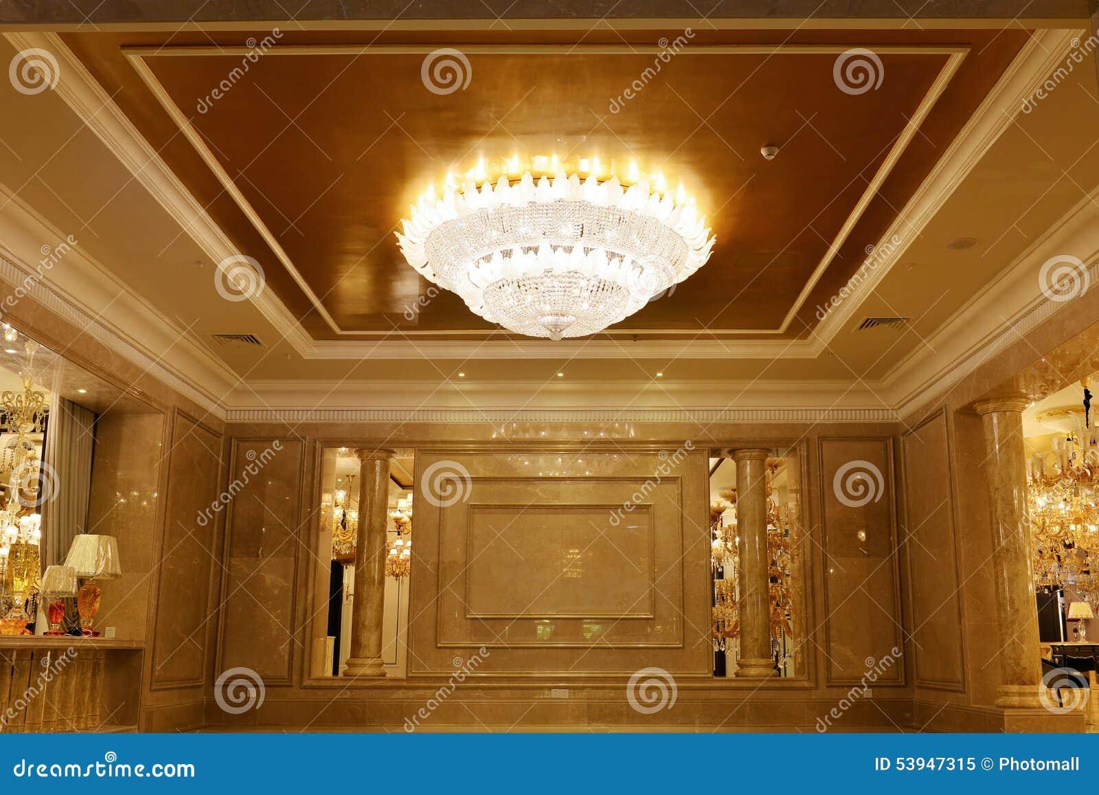 Illuminazione Di Un Corridoio : Illuminazione a cristallo di lusso del candeliere decorata in
