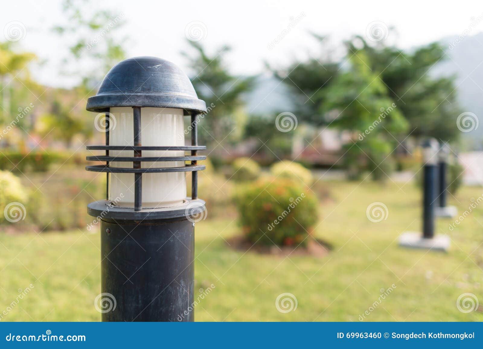 Illuminazione del giardino fotografia stock immagine di