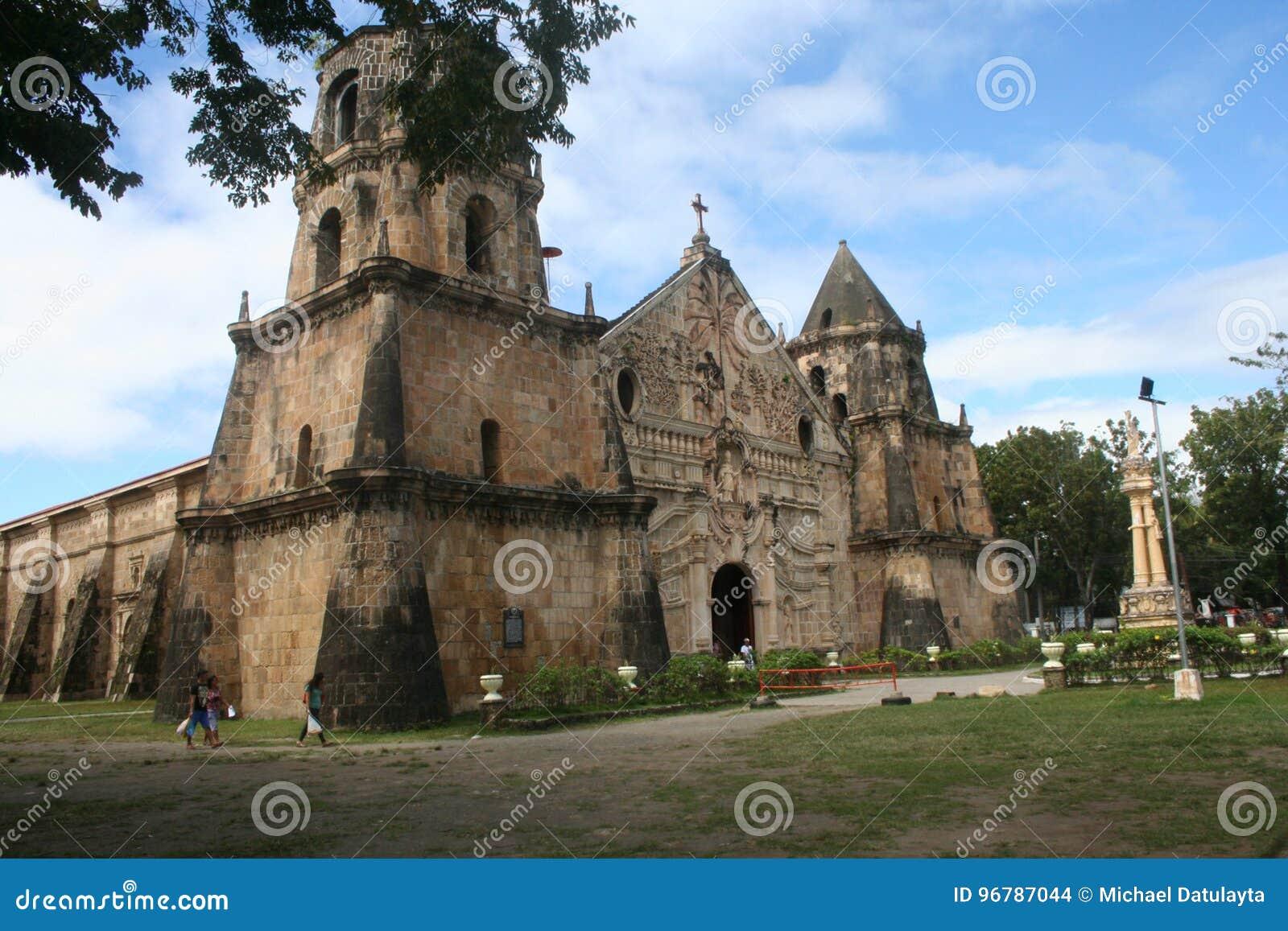 Ilo s ` stary kościół