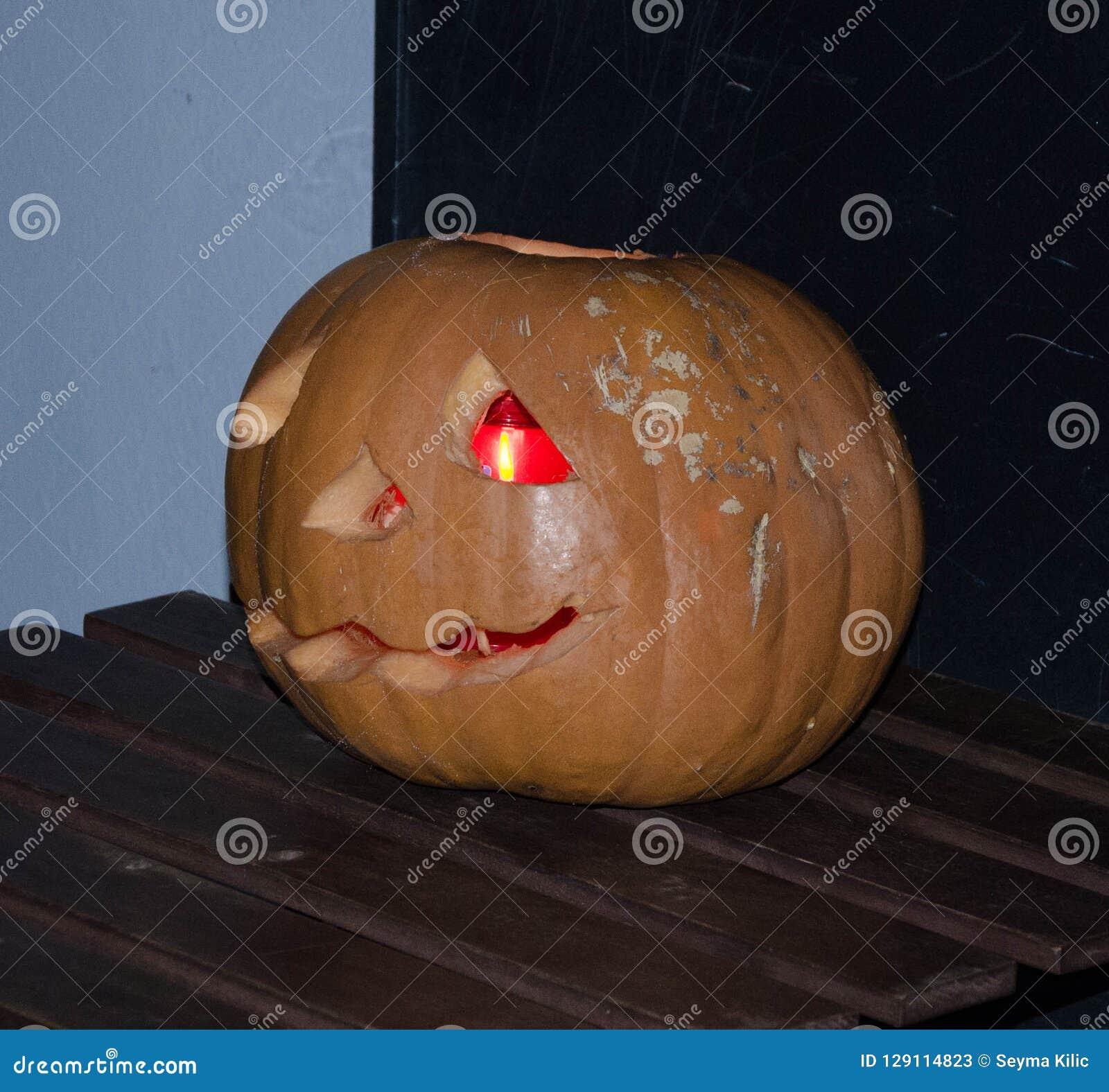 Iluminação da abóbora para o partido do Dia das Bruxas
