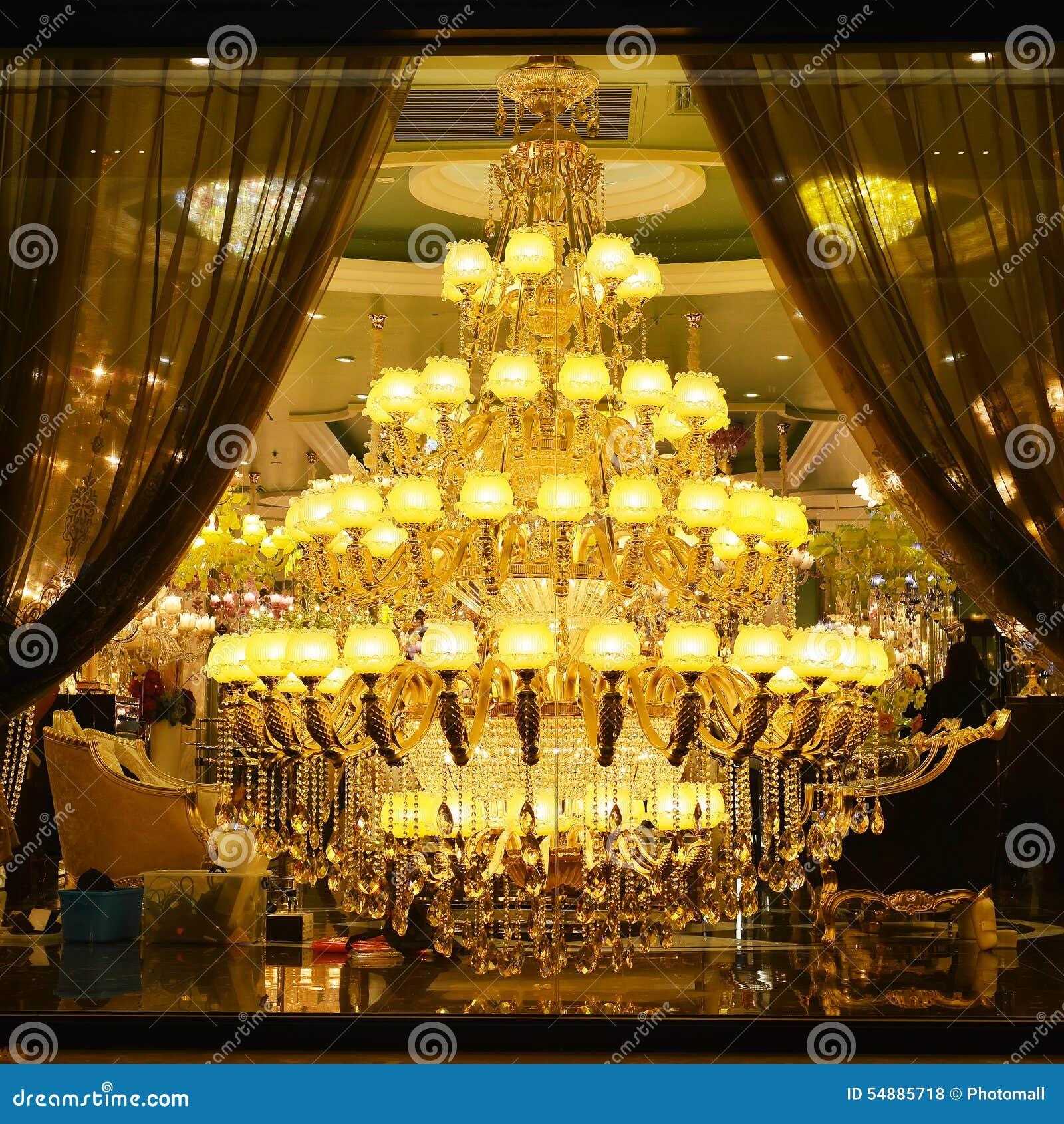 Iluminação de cristal luxuosa gigante