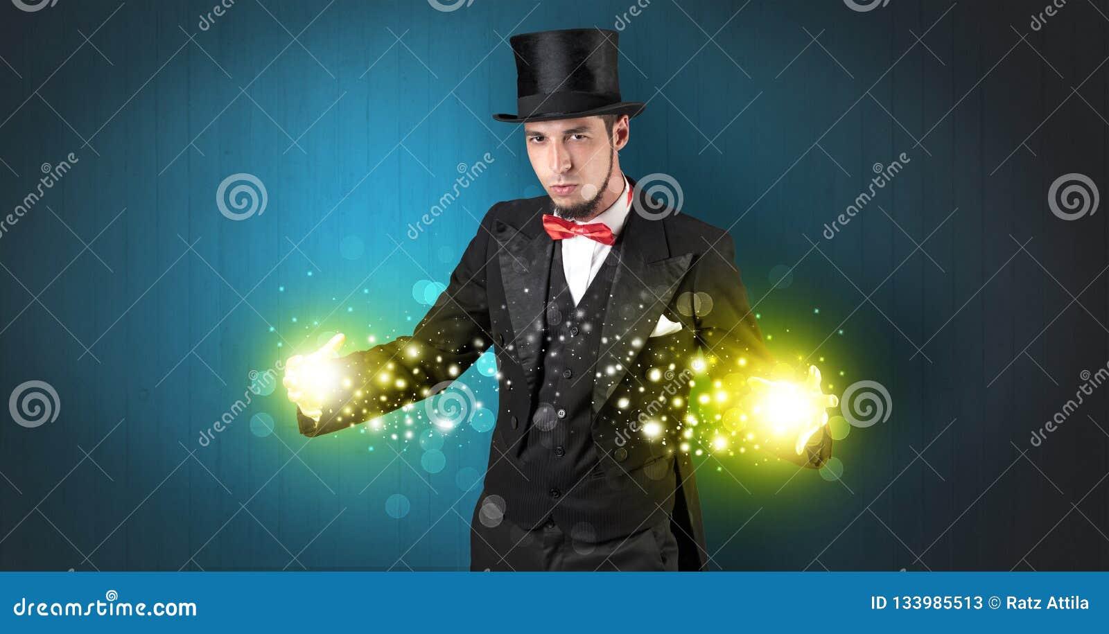 Ilusionista que guarda a superpotência em sua mão