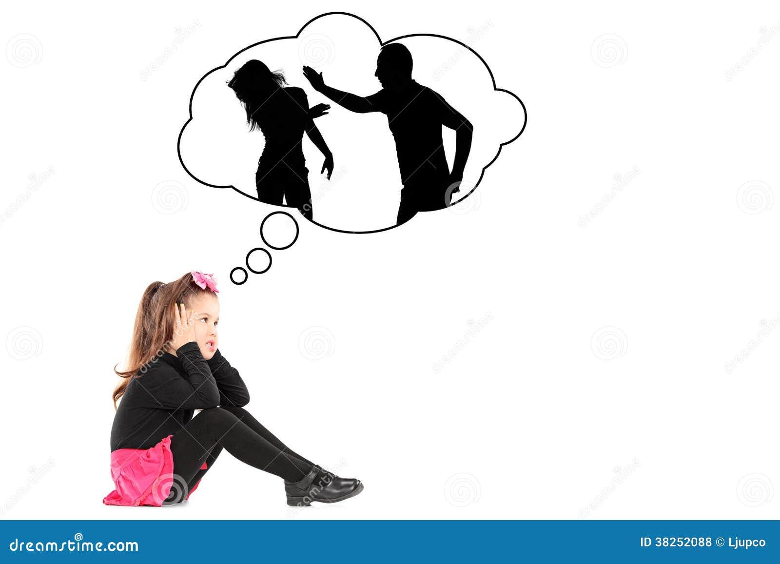 Ilustracja powodująca uraz mała dziewczynka przywołuje ona rodziców