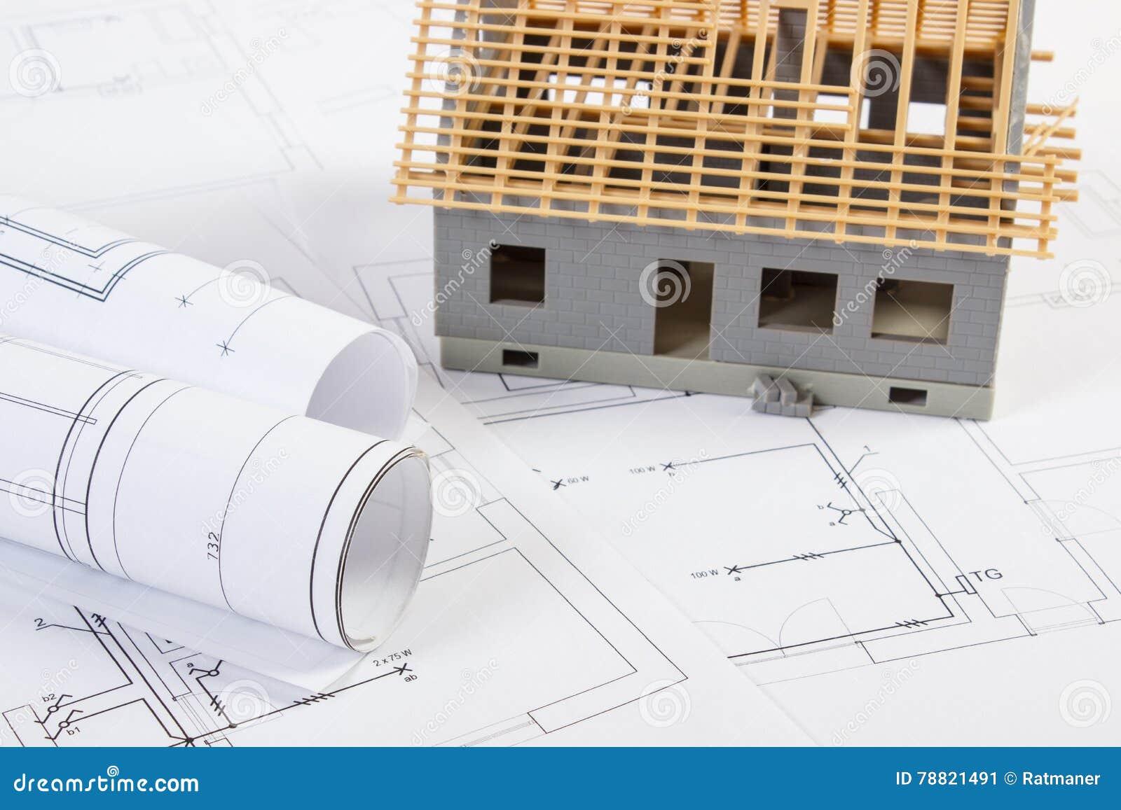 Im Bau Und Elektrische Zeichnungen Des Kleinen Hauses, Konzept Des ...