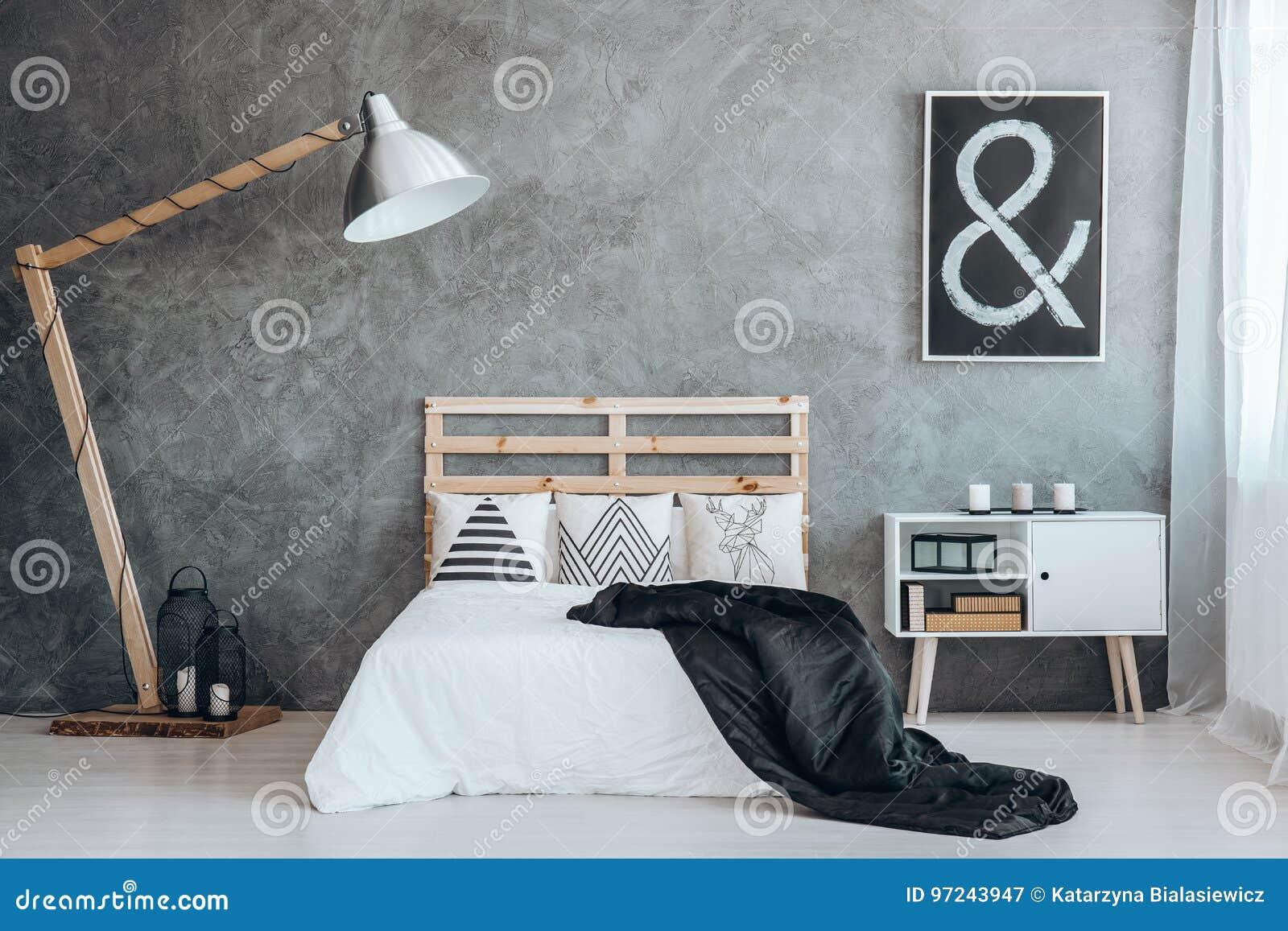 Im Großformat Bett Im Schlafzimmer Stockbild - Bild von kerze ...
