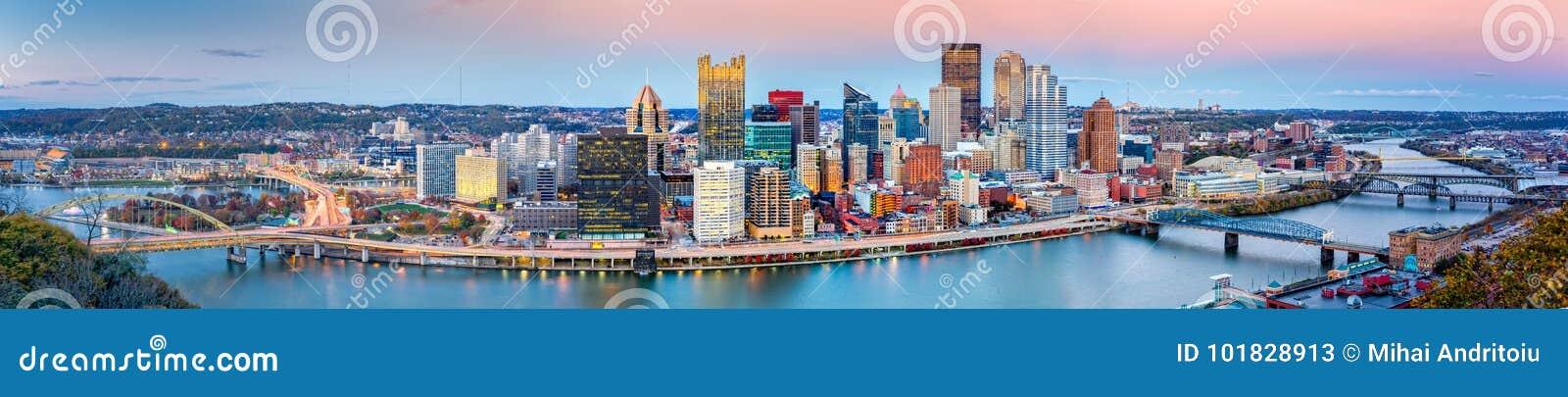 Im Stadtzentrum gelegenes Panorama Pittsburghs