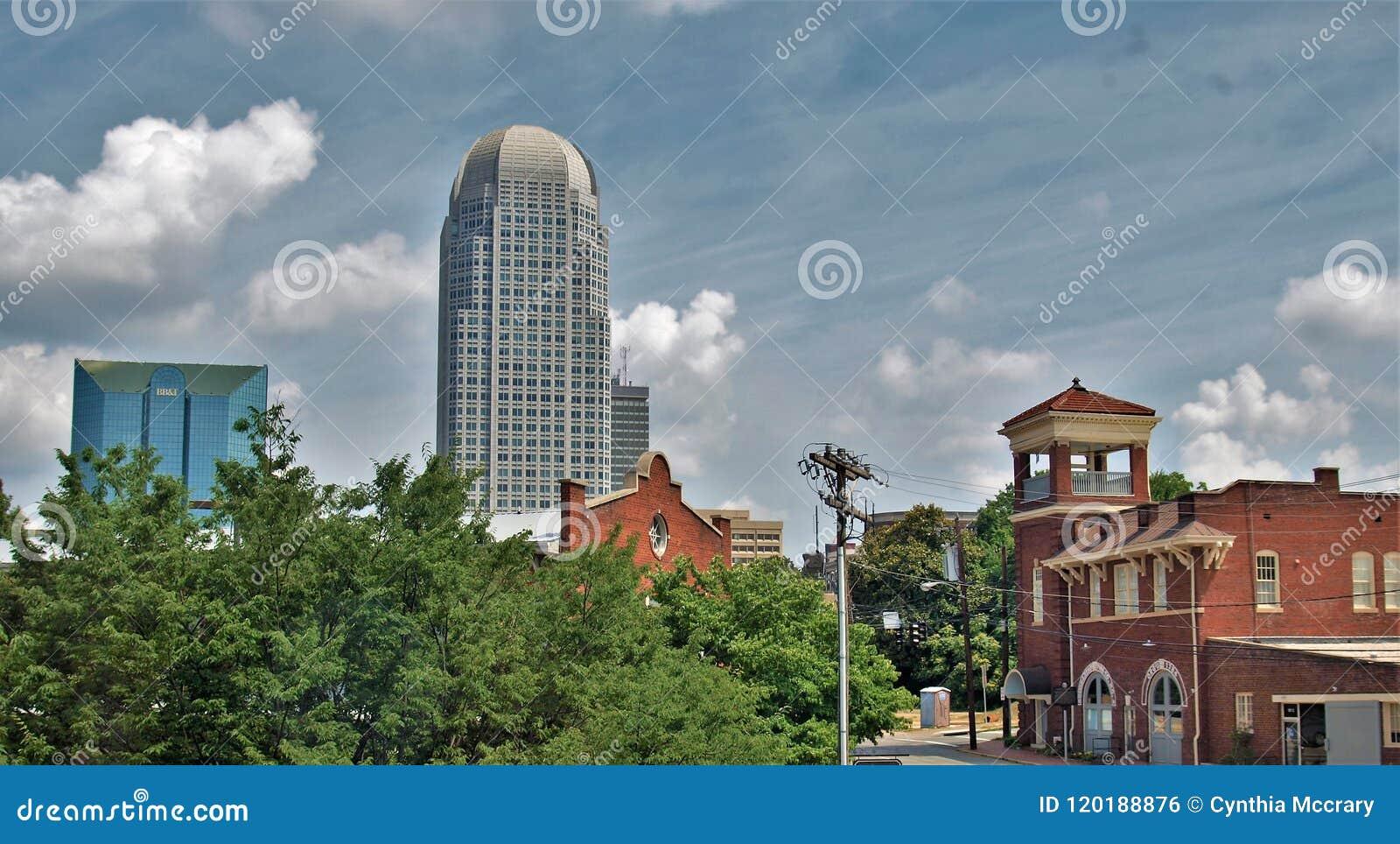 Im Stadtzentrum gelegenes Winston-Salem, North Carolina