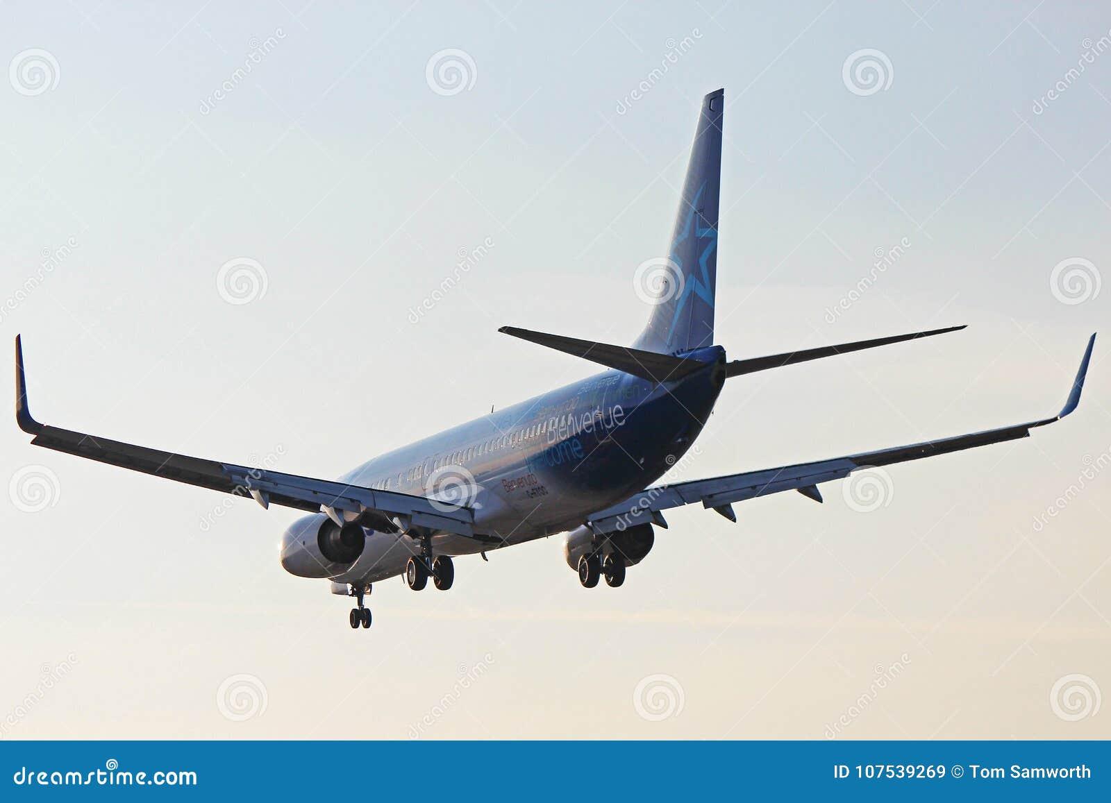 C-FYQO Air Transat Boeing 737-800