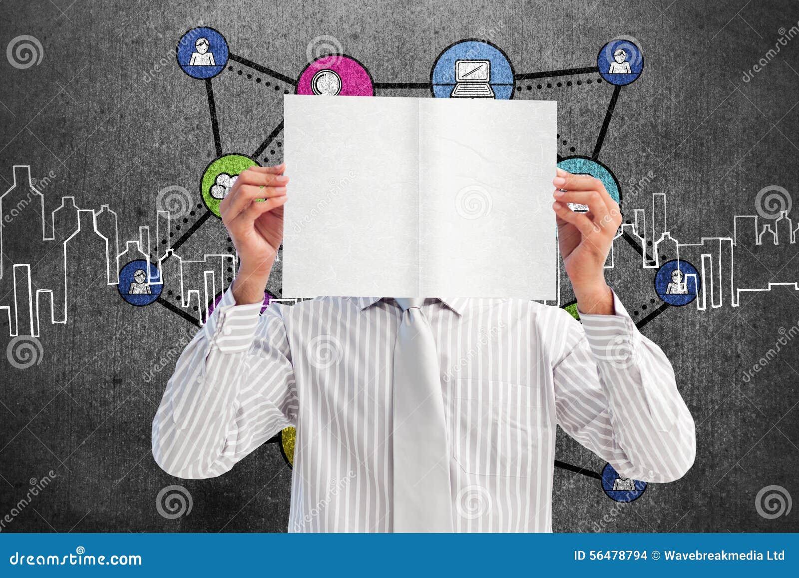 Image composée d homme d affaires tenant une carte blanche couvrant son visage