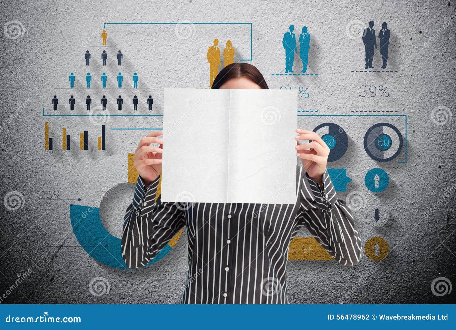 Image composée de femme d affaires montrant une carte blanche devant son visage