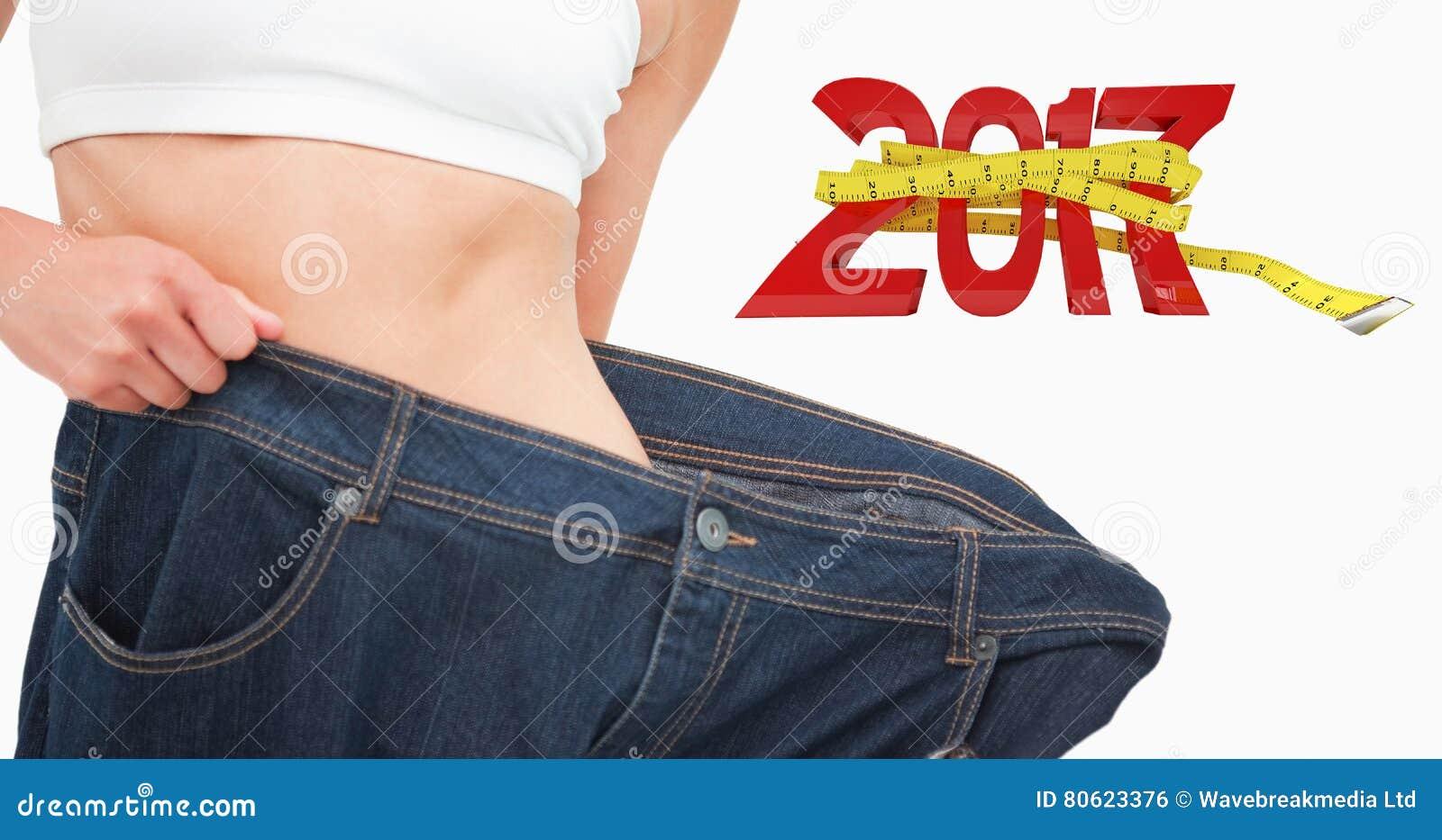 Image composée de fin d une taille de femme qui a perdu beaucoup de poids