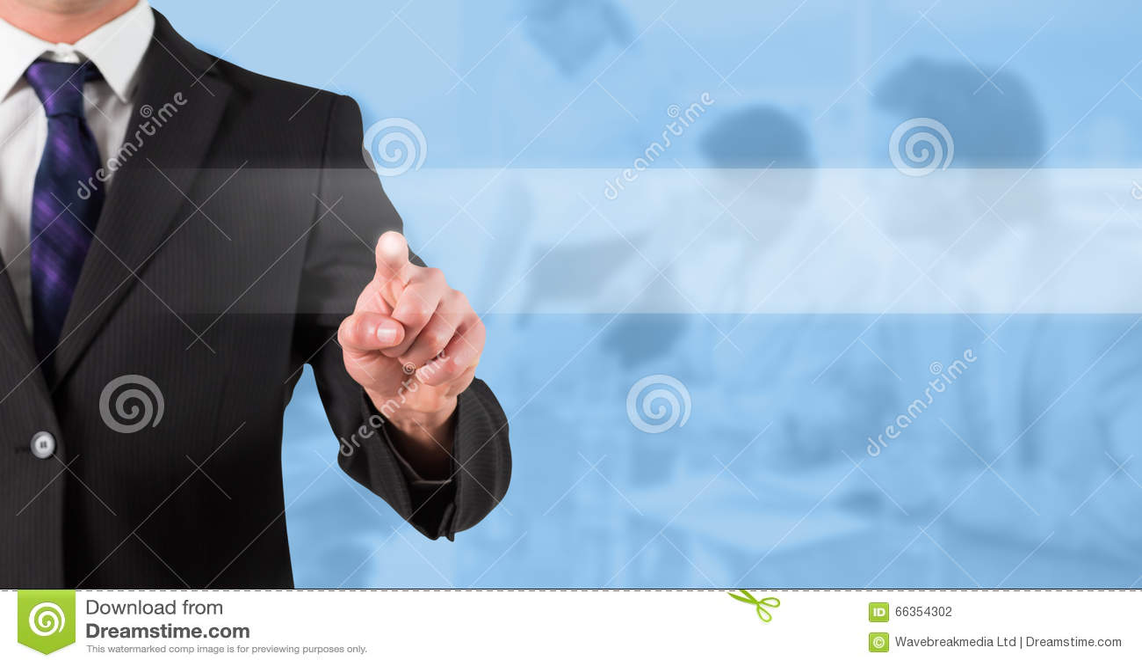 Image composée de la position et du pointage d homme d affaires