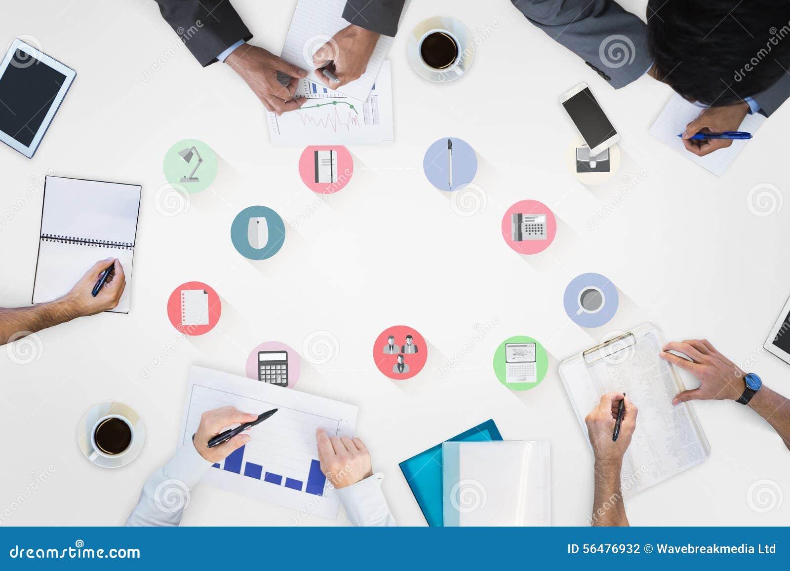 Image composée de la réunion d affaires