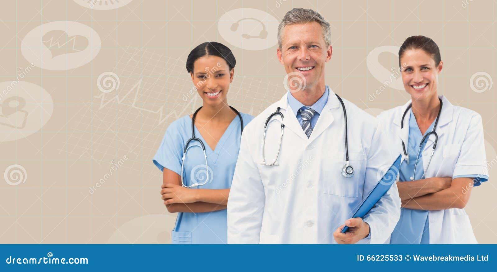 Image composée de portrait du docteur masculin avec les personnels féminins