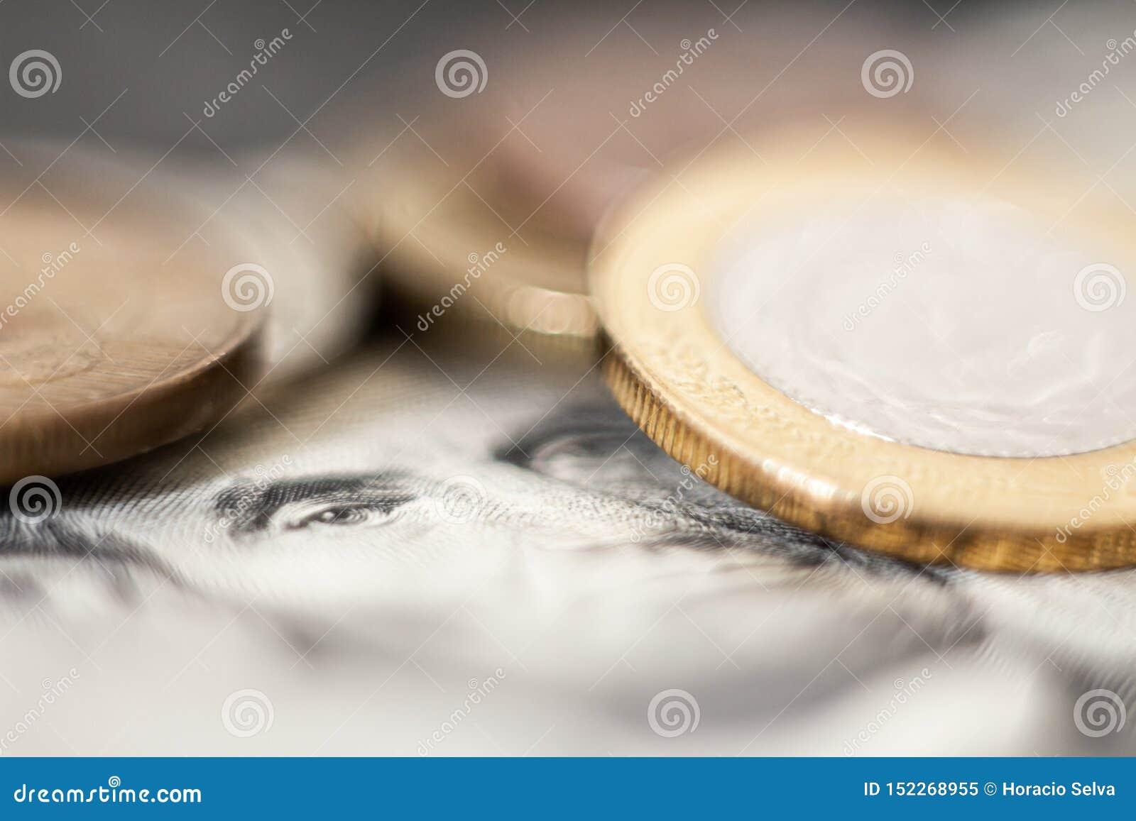 Image conceptuelle d argent Éléments qui représentent monétaire Éléments qui représentent le succès monétaire