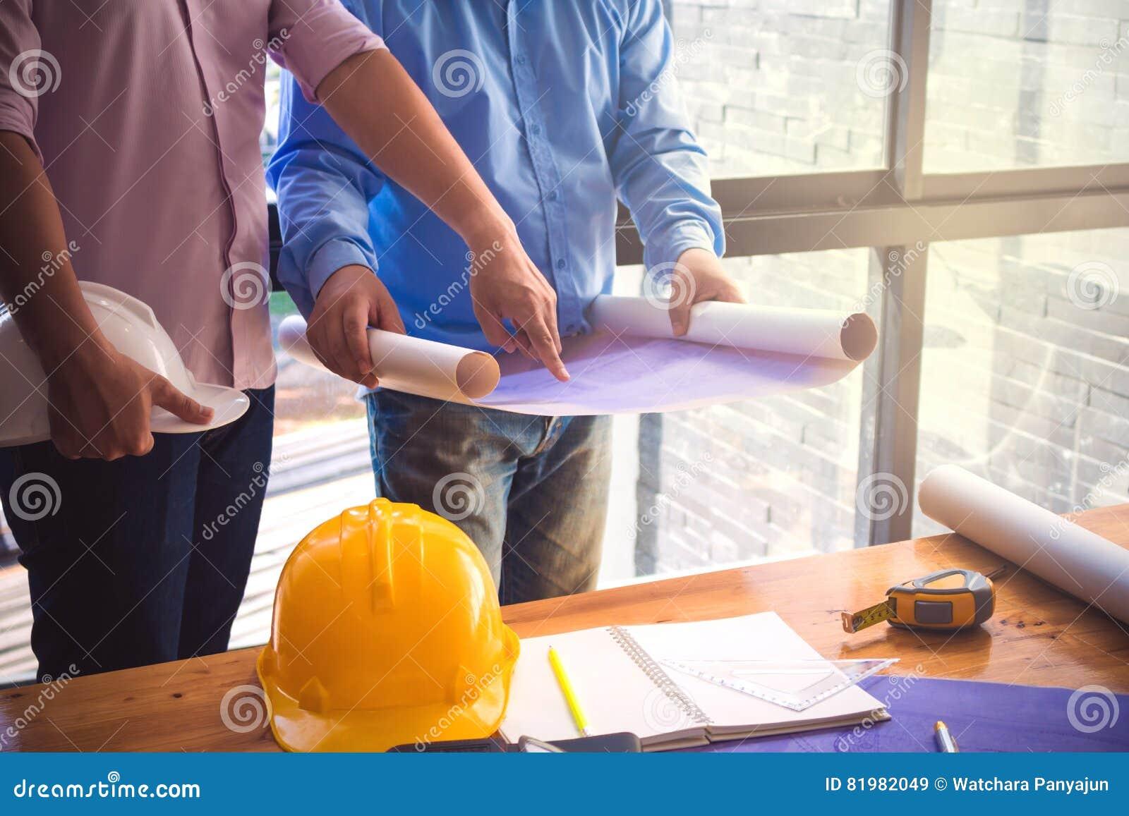 Image de l ingénieur architectural de projet