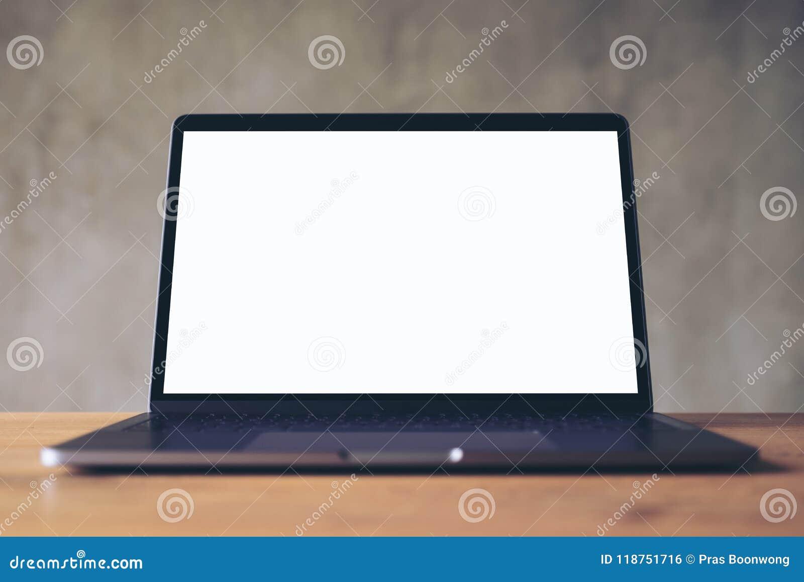 Image de maquette dordinateur portable avec lécran de bureau blanc