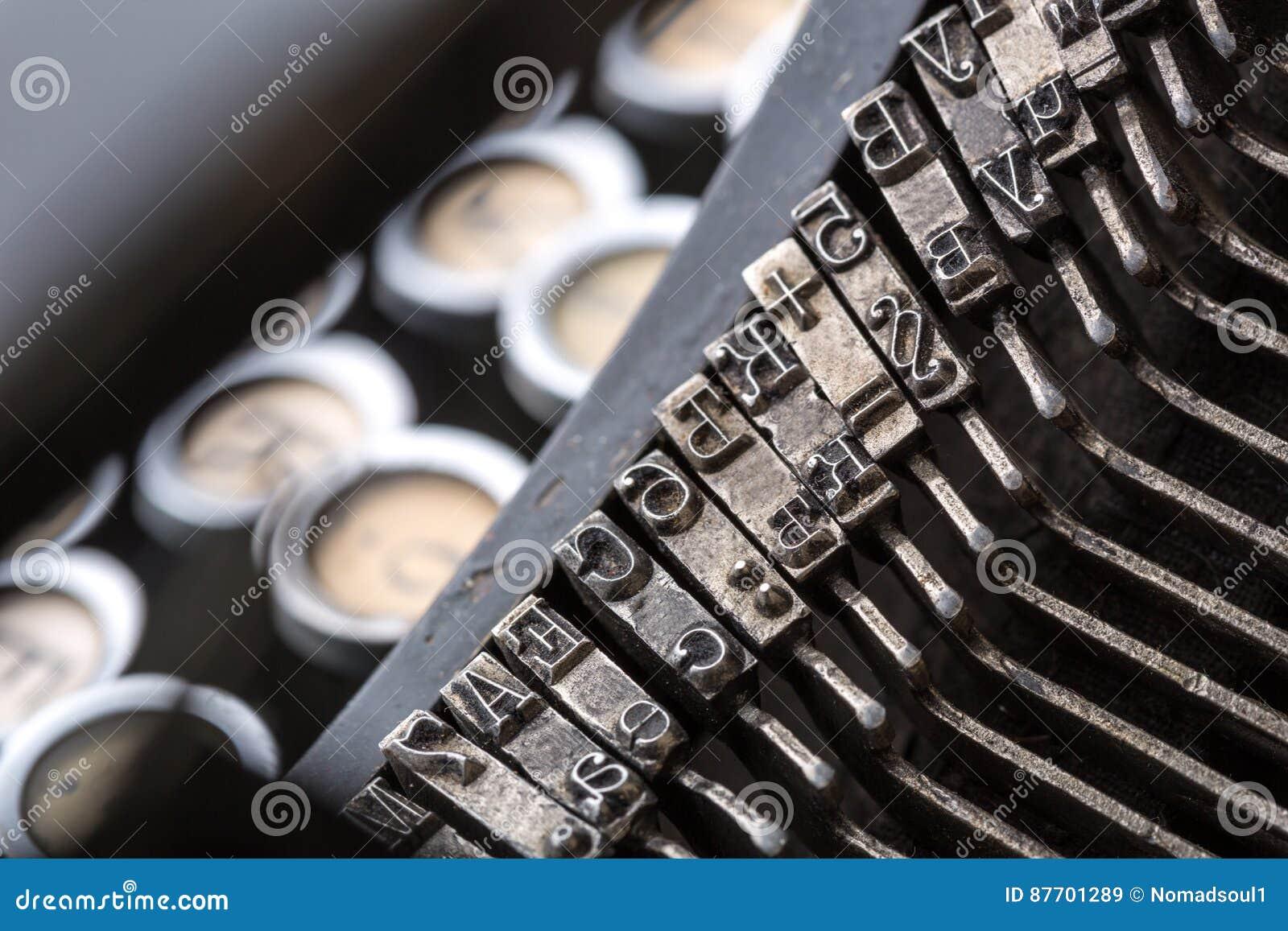 Image de plan rapproché de mécanisme de machine à écrire de vintage
