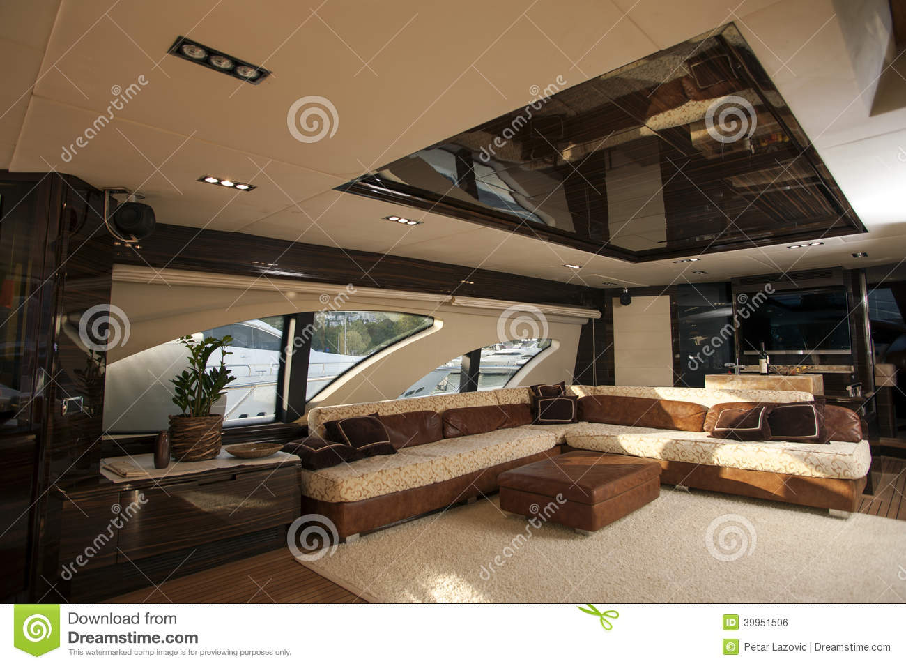 Image Of Luxury Ship Interior, Comfortable Sailboat Cabin ...