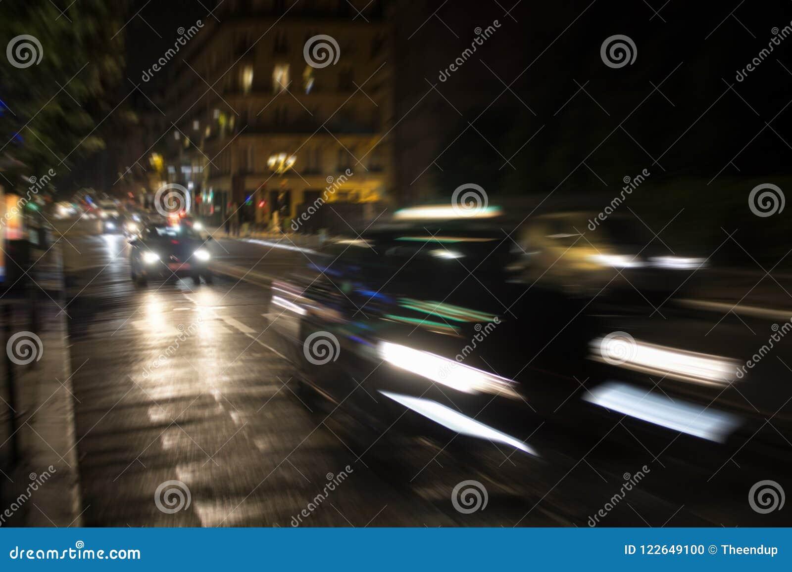 Image trouble de mouvement des voitures dans le trafic