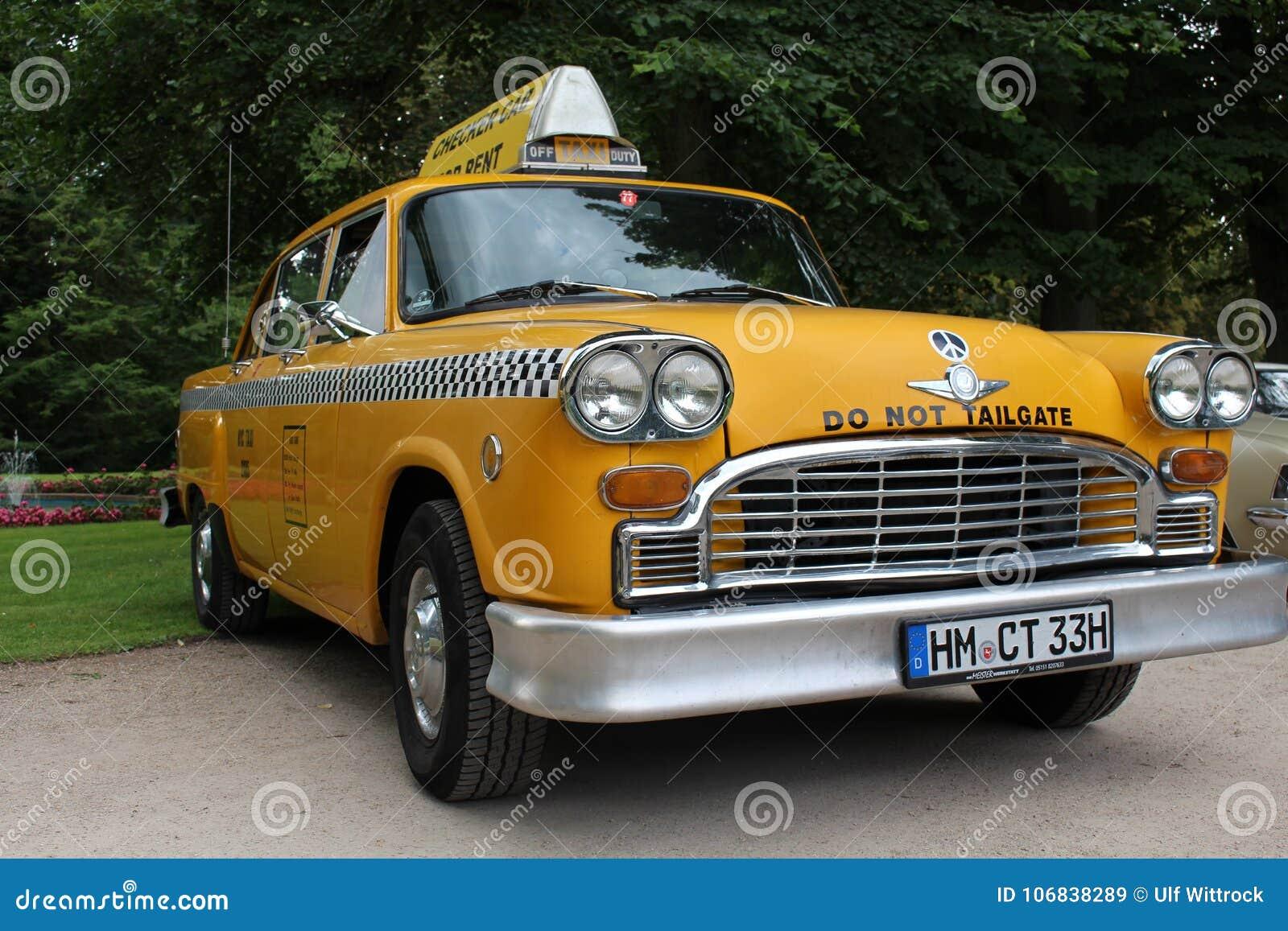 image-vintage-american-taxi-headlight-ab