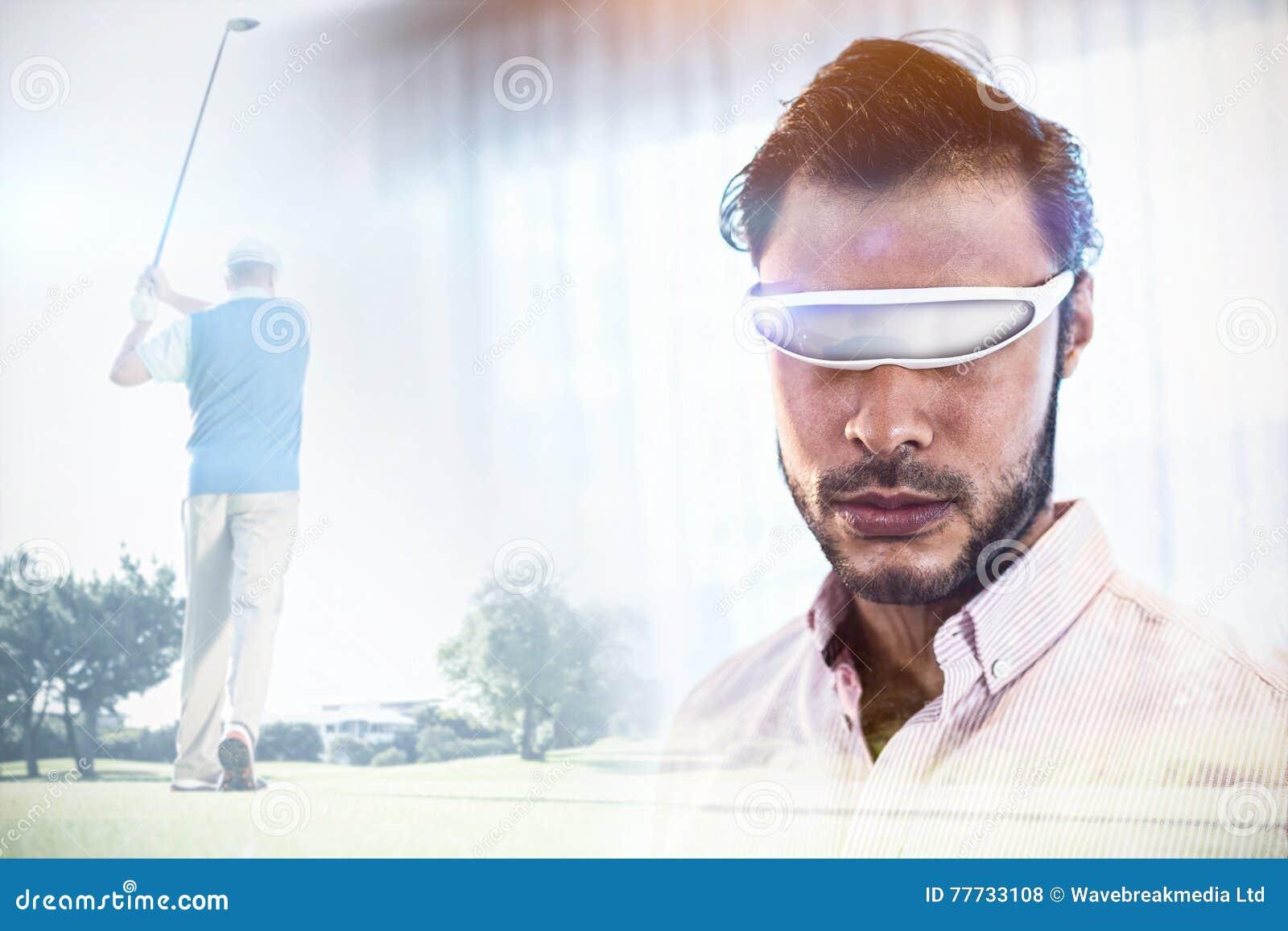 Imagem composta do jogador de golfe que toma um tiro