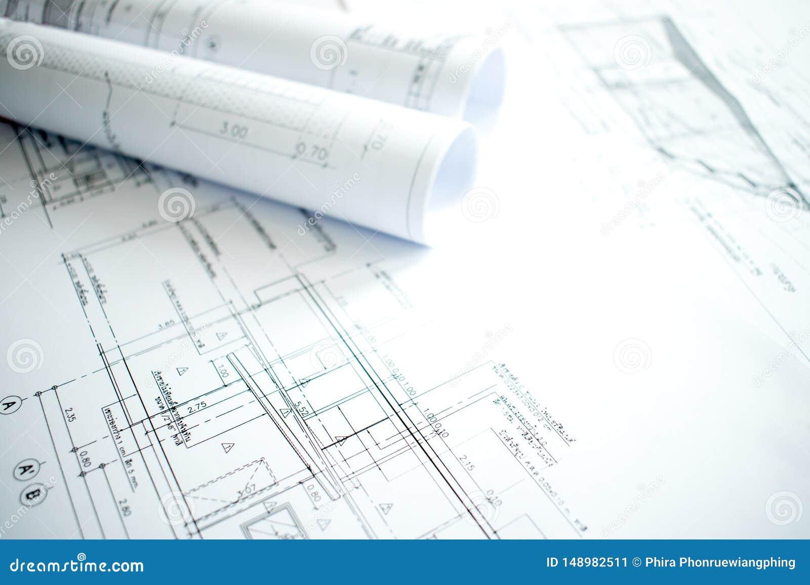 Imagem do close-up da arquitetura com detalhes de constru??o e de projeto na tabela do coordenador