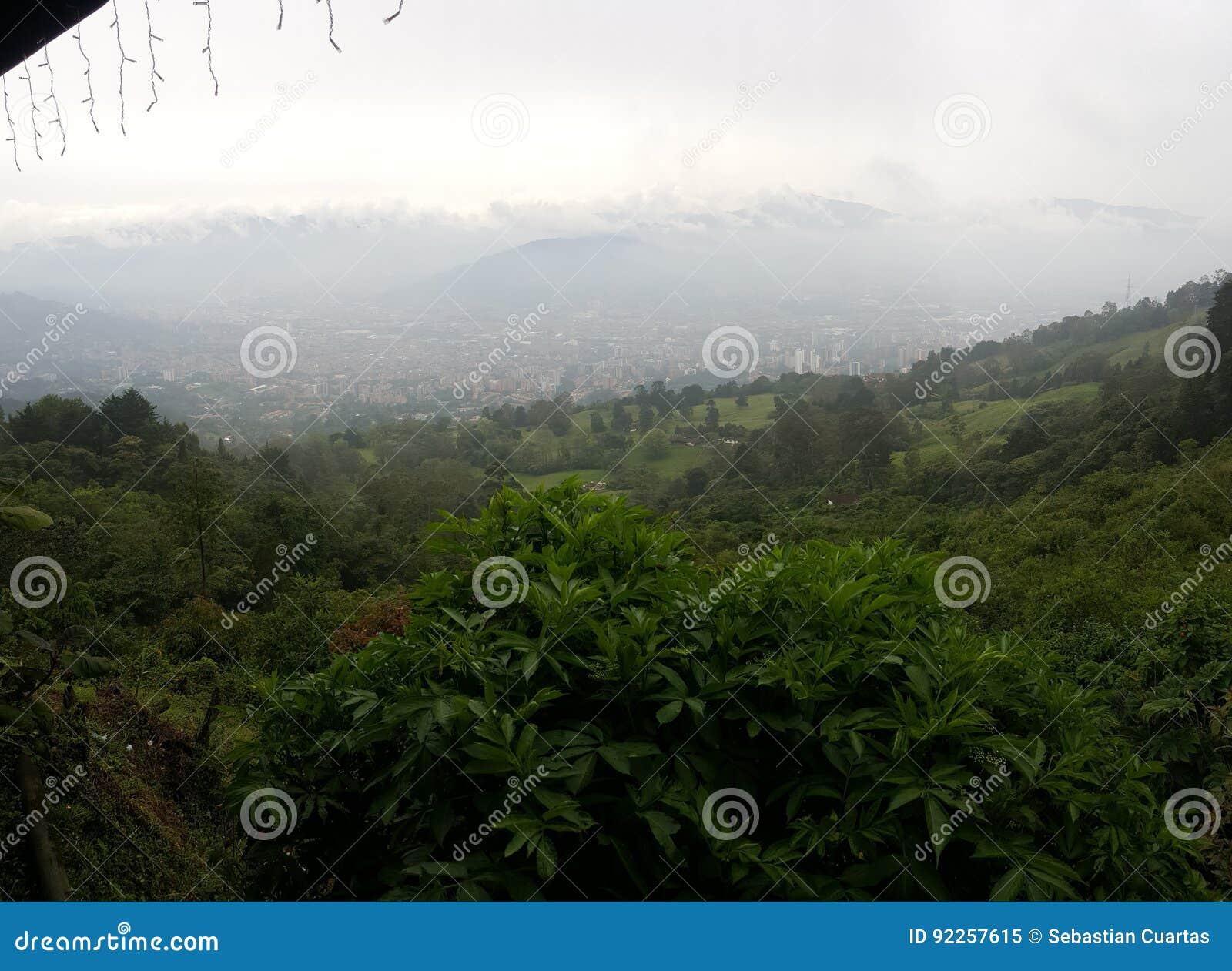 Imagem panorâmico da cidade de medellin