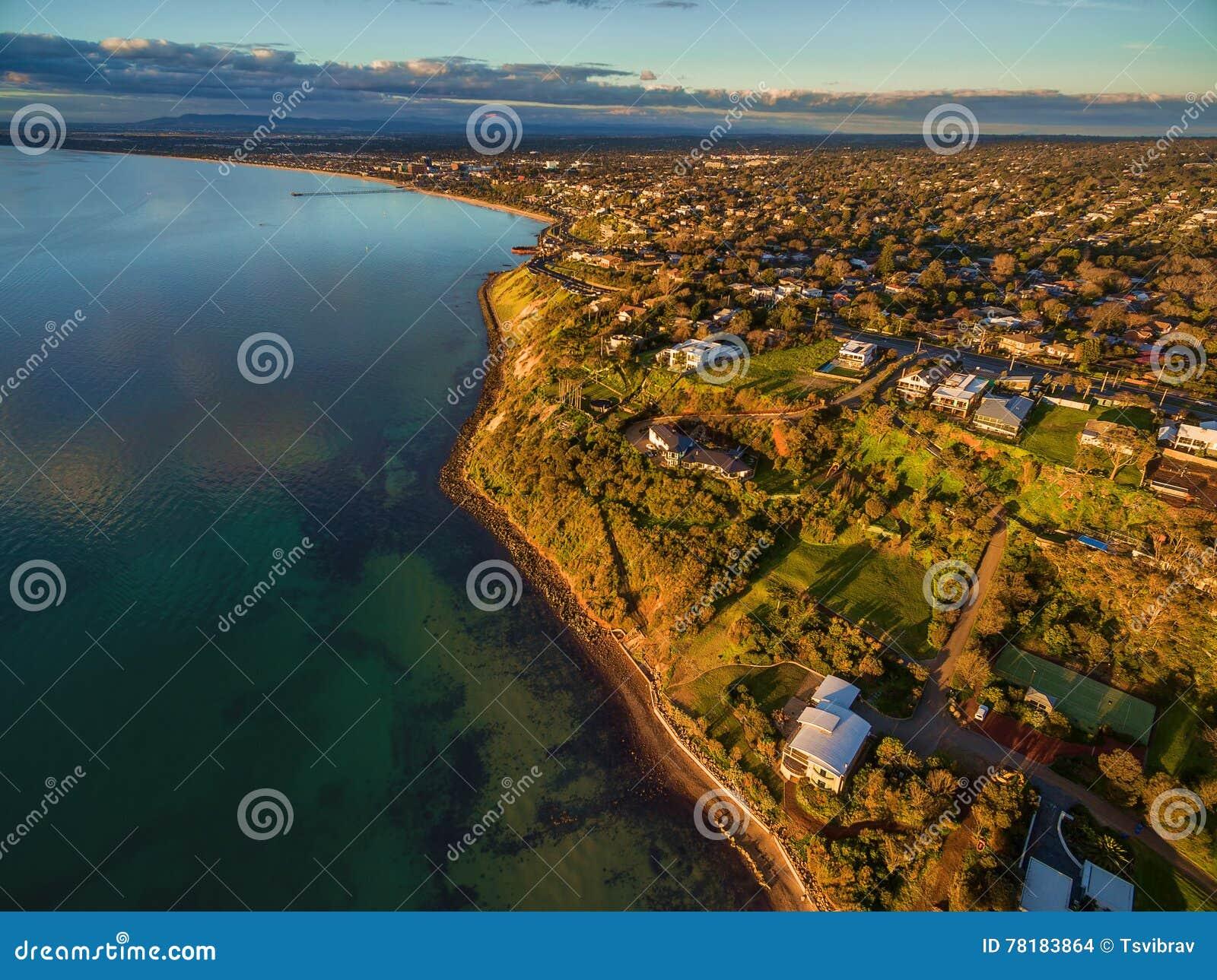Imagen aérea de la costa costa de Frankston