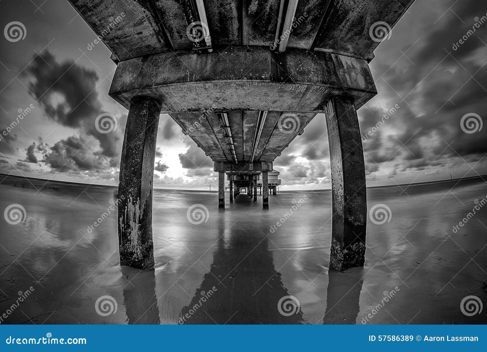 Imagen blanco y negro de Clearwater la Florida del embarcadero 60